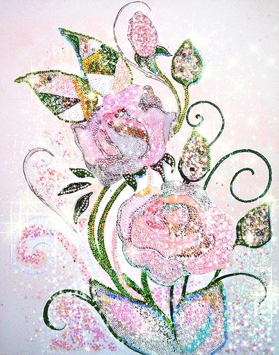 Авторская картина Розы для королевы, 100 х 80 см, стразы, полудрагоценные камни. Художник Ирина Баст. КАРДКV-319Картина меняет свои оттенки в зависимости от освещения, переливаясь салатовым, мятным, нежно-голубым, золотистым, пудровым и светло-розовым оттенками. В темноте мистически сияет.Картина украшена гранеными, большими, переливающимися стразами, натуральными жемчужинами. На розах есть объемная утренняя роса с прозрачными пузырьками, разноцветными искорками играющая на солнце.Авторская техника.Элементы на картине вышиты вручную. Картина переливается, мерцает, свет отражается в гранях страз и декоративного стекла. Волшебно смотрится при дополнительном освещении (прямом солнечном свете, проекторе звездного неба, декоративных светильниках с перфорацией и др.).Материалы: холст на подрамнике, стразы, глиттеры и блестки, объёмные контуры, бусины, декоративные элементы, стекло, натуральный жемчуг, розовый кварц, пайетки, бисер, розовый жемчуг, белый жемчуг, гель с эффектом замерзшей воды.
