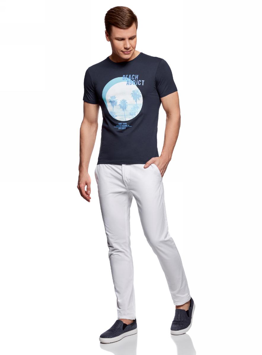 Футболка мужская oodji Lab, цвет: темно-синий. 5L611377M/39485N/7975P. Размер L (52/54)5L611377M/39485N/7975PМужская футболка от oodji выполнена из натурального хлопкового трикотажа. Модель с короткими рукавами и круглым вырезом горловины спереди оформлена принтом пальмы.