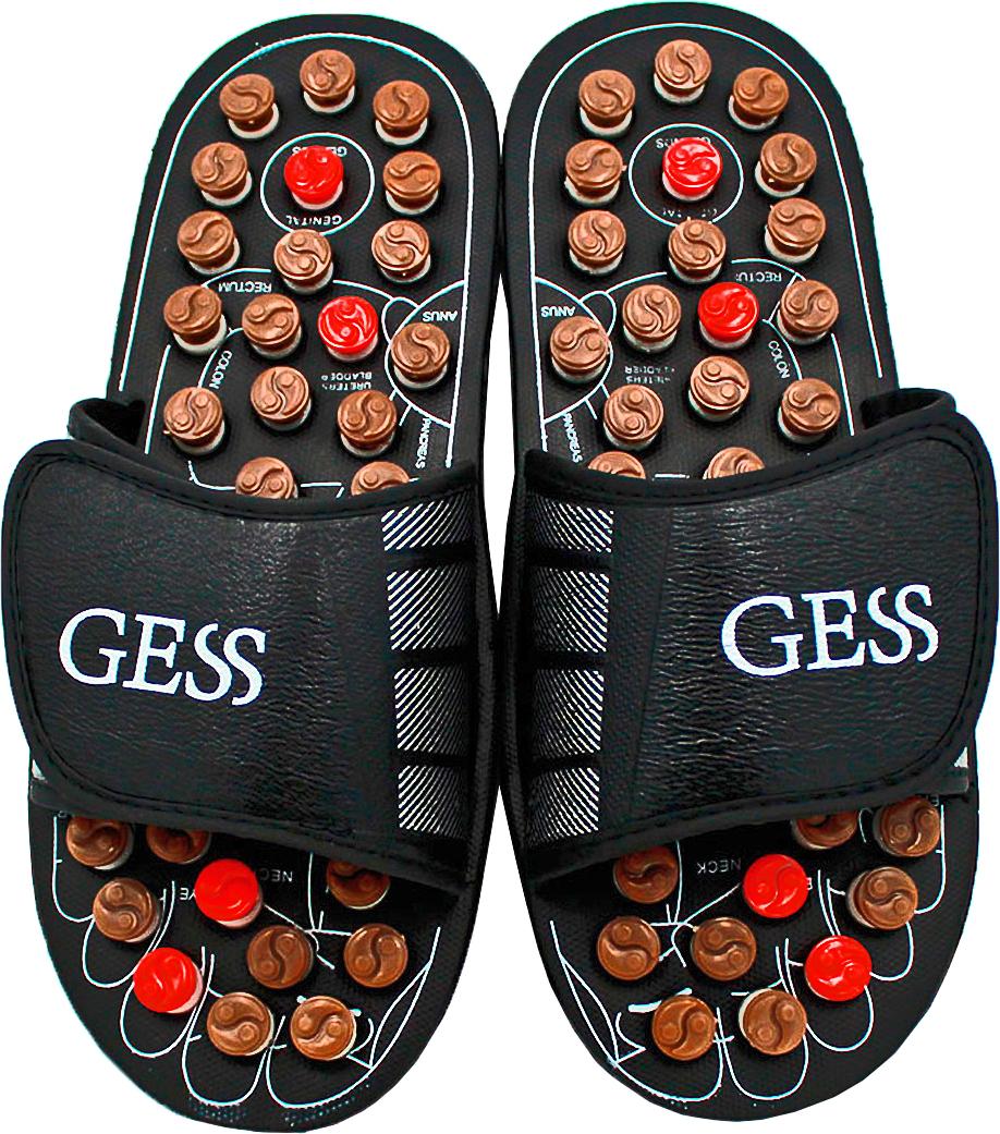 Gess Рефлекторные массажные тапочки uFoot, размер XL (44/45)GESS-204 XLРефлекторные массажные тапочки uFoot для ног — отличное сочетание обуви и оздоровления организма посредством акупунктурного воздействия на биологически важные зоны организма через определенные зоны стоп. Массаж стоп выполняется пружинящими головками, которые при надавливании проворачивается вокруг собственной оси, трение вызывает дополнительное тепло, которое усиливает эффективность воздействия массажа шиацу. Регулярное использование массажных тапочек поспособствует улучшению кровообращения, общего самочувствия, снимет тяжесть в ногах и подарит заряд бодрости. Ширина тапочек регулируется липучками, поэтому подойдут для ног любой ширины. Всего 15 минут воздействия пружинящими массажными головками на стопы во время занятия домашними делами, и Вы отметите для себя заметное улучшение самочувствия. Не является медицинским прибором. Имеются противопоказания.