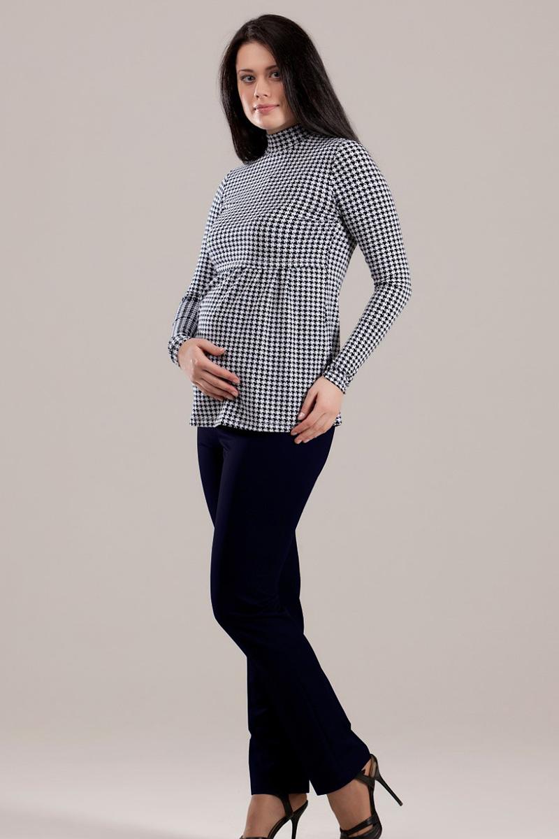 Брюки для беременных Nuova Vita, цвет: черный, синий. 5403.02. Размер 445403.02Брюки для беременных Nuova Vita, изготовленные из мягкого плотного материала, удобны и очень практичны. Ткань не вызывает дискомфорта, а благодаря добавлению синтетических волокон брюки не потеряют свой вид даже после многих стирок и долгой носки. Модель прямого классического кроя со стрелками и с бандажом на живот. Бандаж снабжен регулируемой резинкой, что позволяет комфортно носить эти брюки на протяжении всего срока беременности. Такие брюки займут достойное место в гардеробе молодой мамы. Изделие великолепно сочетается с элегантными блузками и джемперами, что позволяет создать множество интересных образов на каждый день.