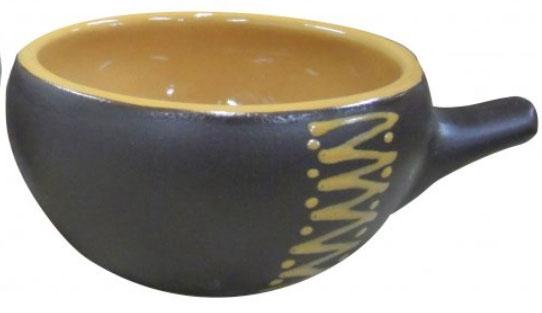 Кокотница Борисовская керамика Чугун, 180 млЧУГ00000415Кокотница Борисовская керамика Чугун никого не оставляет равнодушным. Она выполнена из высококачественной керамики. Внешние и внутренние стенки покрыты цветной глазурью. В кокотнице можно удобно запекать кексы, делать жульены. Отличается толстыми стенками, что положительно сказывается на вкусе готового блюда. Очень компактна, при запекании кокотницы можно разместить в большом количестве. Экономит место на кухне.Она отлично подойдет для сервировки стола и подачи блюд. Кокотницу можно использовать как порционно, так и для подачи приправ, острых соусов и другого. Подходит для использования в микроволновой печи и духовке.Высота: 5 см. Диаметр: 10 см.