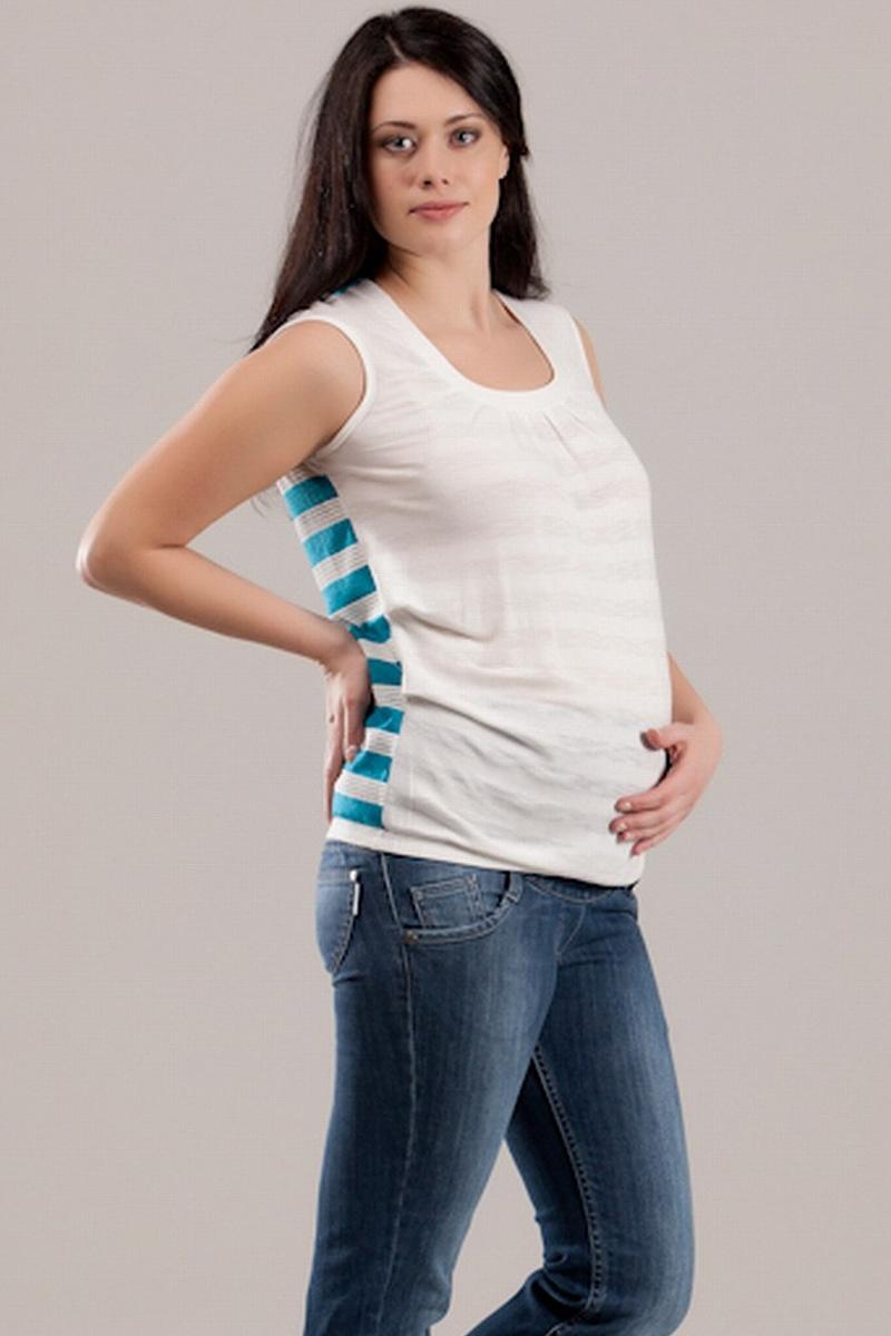 Футболка для беременных Nuova Vita, цвет: белый, бирюзовый. 1347.3. Размер 441347.3Стильная футболка Nuova Vita для будущих мам, изготовленная из мягкой вискозы с полосатым принтом, подарит комфорт во время носки. Модель полуоблегающего кроя с круглым вырезом горловины и без рукавов идеальна для повседневной носки, прекрасно садится на любую фигуру, комфортна и приятна к телу. По низу изделие собрано на резинку. Вискоза является волокном, произведенным из натурального материала - целлюлозы (древесины). Иногда ее называют древесный шелк. Эта ткань на ощупь мягкая и приятная, образует красивые складки. Материал очень хорошо впитывает влагу, не образует катышек со временем, не выцветает на солнце и обладает приятным шелковистым блеском.