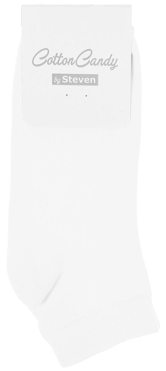 Носки для мальчика Steven, цвет: белый. 004 (RA39). Размер 26/28004 (RB39)/004 (RA39)Носки Steven изготовлены из качественного материала на основе хлопка. Модель имеет мягкую эластичную резинку. Носки хорошо держат форму и обладают повышенной воздухопроницаемостью.