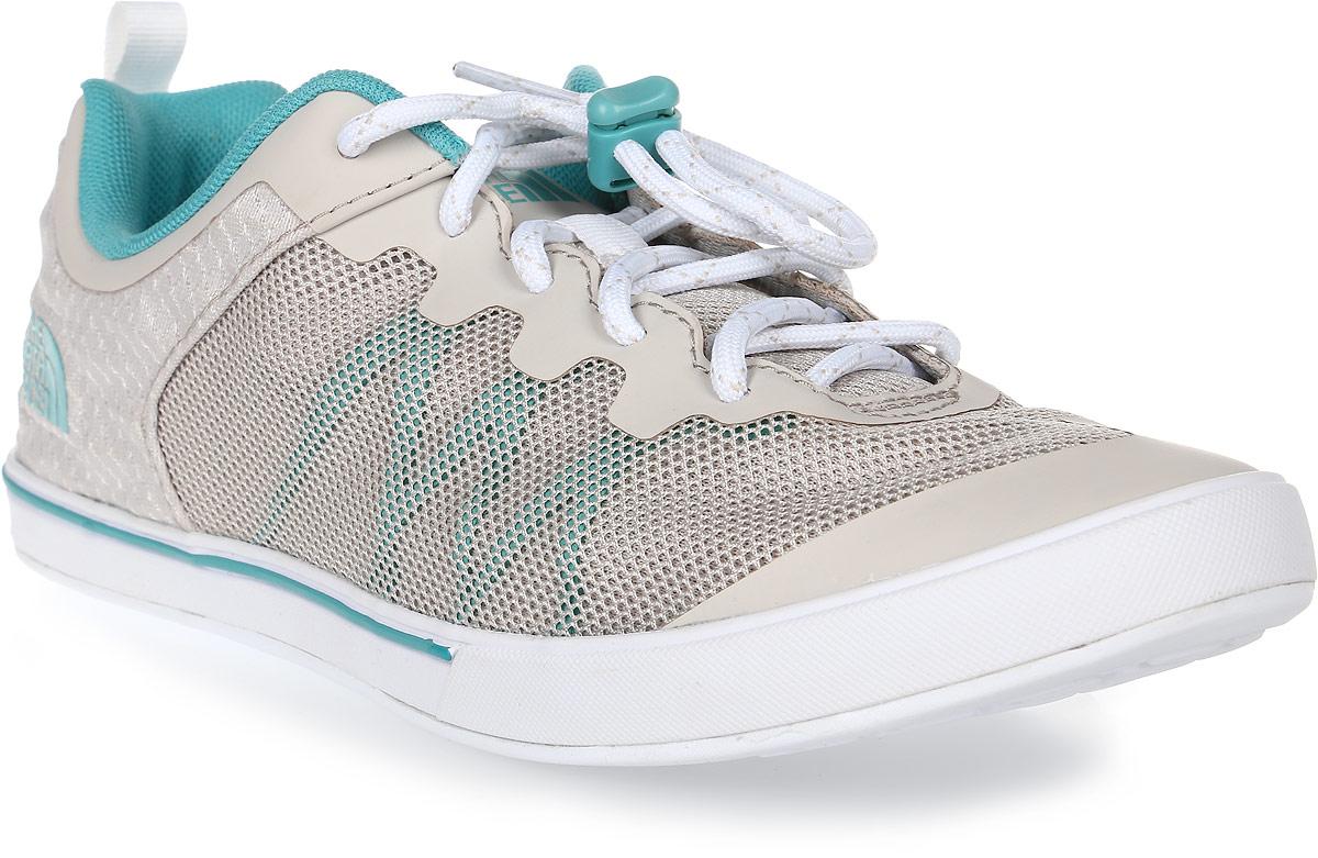 Кроссовки женские The North Face W Base Camp Flow Sneaker (Ap), цвет: белый. T92UXOTSV. Размер 9H (40,5)T92UXOTSVThe North Face - легкие и очень комфортные кроссовки. Удобная шнуровка со стоппером, верх из сетчатой ткани - в этих кроссовках есть все для комфортного передвижения в течение всего дня. Рельефная поверхность подошвы гарантируют отличное сцепление на любых поверхностях. В таких кроссовках вашим ногам будет комфортно и уютно.