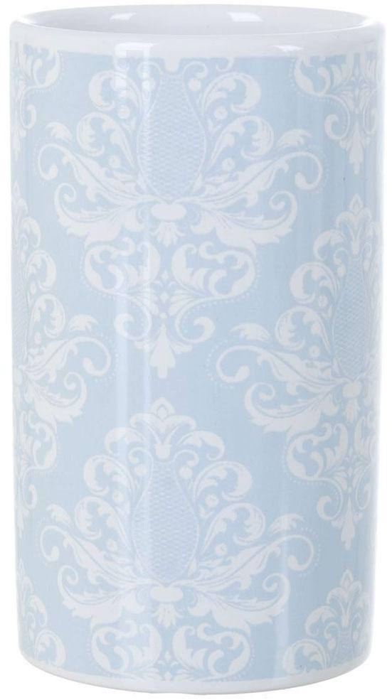 """Стакан для ванной комнаты ENS Group """"Орнамент"""" изготовлен из натуральной и элегантной керамики белого цвета со светло-голубыми узорами.В стакане удобно хранить зубные щетки, пасту и другие принадлежности. Изделие прекрасно дополнит интерьер вашей ванной комнаты и создаст особую атмосферу уюта и комфорта."""