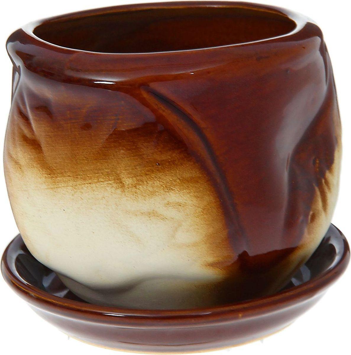 Кашпо Листик, цвет: коричневый, 0,5 л1185899Комнатные растения — всеобщие любимцы. Они радуют глаз, насыщают помещение кислородом и украшают пространство. Каждому из них необходим свой удобный и красивый дом. Кашпо из керамики прекрасно подходят для высадки растений: за счёт пластичности глины и разных способов обработки существует великое множество форм и дизайновпористый материал позволяет испаряться лишней влагевоздух, необходимый для дыхания корней, проникает сквозь керамические стенки! #name# позаботится о зелёном питомце, освежит интерьер и подчеркнёт его стиль.