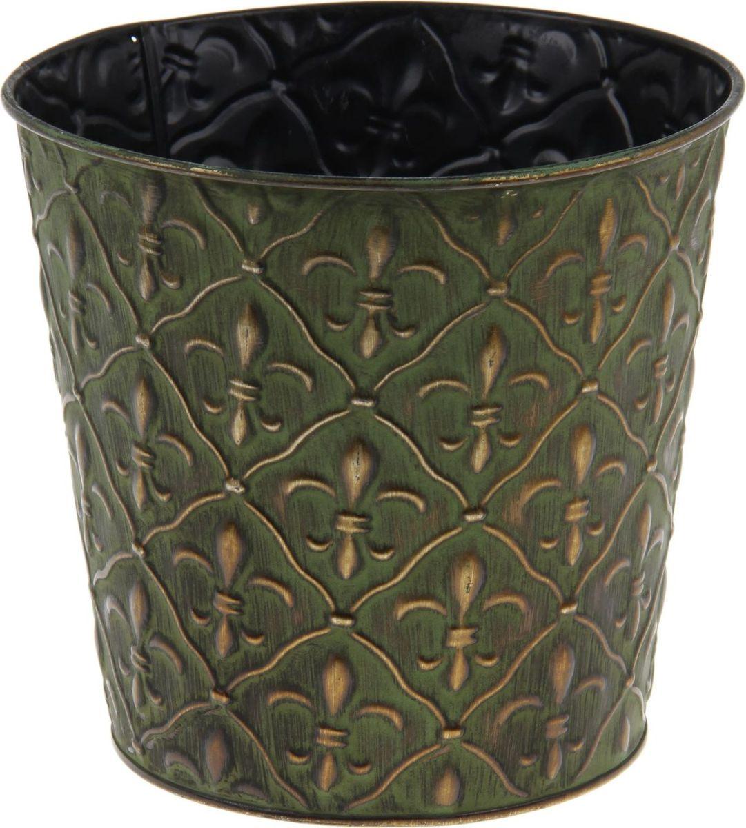 Кашпо Стиль. Ромбы, цвет: зеленый, 19 х 19 х 17 см1199492Комнатные растения — всеобщие любимцы. Они радуют глаз, насыщают помещение кислородом и украшают пространство. Каждому из растений необходим свой удобный и красивый дом. Металлические декоративные вазы для горшков практичны и долговечны. позаботится о зеленом питомце, освежит интерьер и подчеркнет его стиль. Особенно выигрышно они смотрятся в экстерьере: на террасах и в беседках. При желании его всегда можно перекрасить в другой цвет.