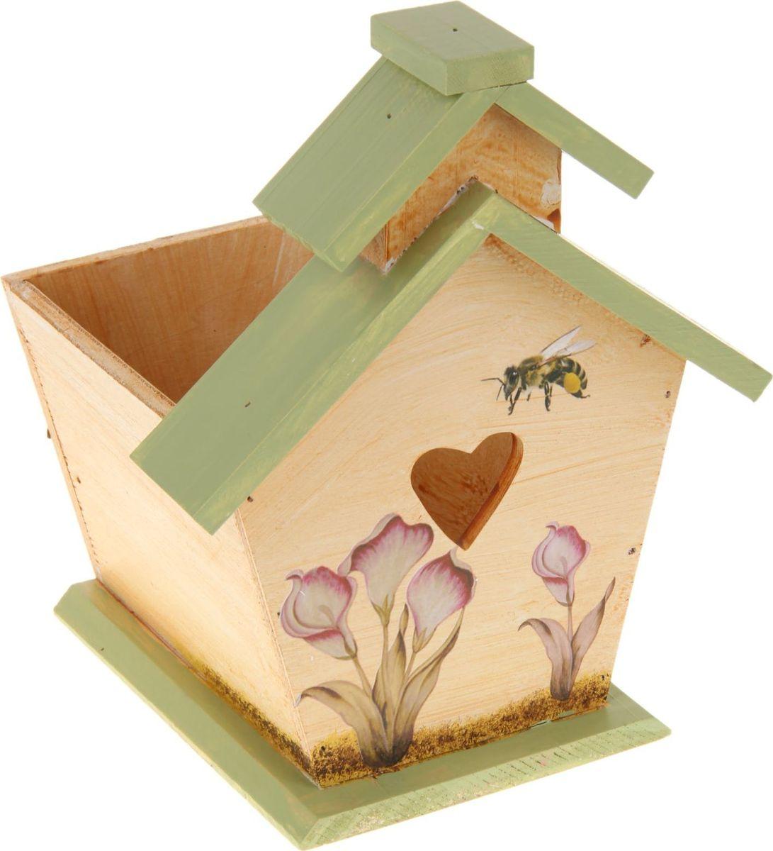 Кашпо Скворечник, с двойной крышей, 20 х 17 х 25 см1262292Комнатные растения — всеобщие любимцы. Они радуют глаз, насыщают помещение кислородом и украшают пространство. Каждому из растений необходим свой удобный и красивый дом. Поселите зеленого питомца в яркое и оригинальное фигурное кашпо. Выберите подходящую форму для детской, спальни, гостиной, балкона, офиса или террасы. позаботится о растении, украсит окружающее пространство и подчеркнет его оригинальный стиль.