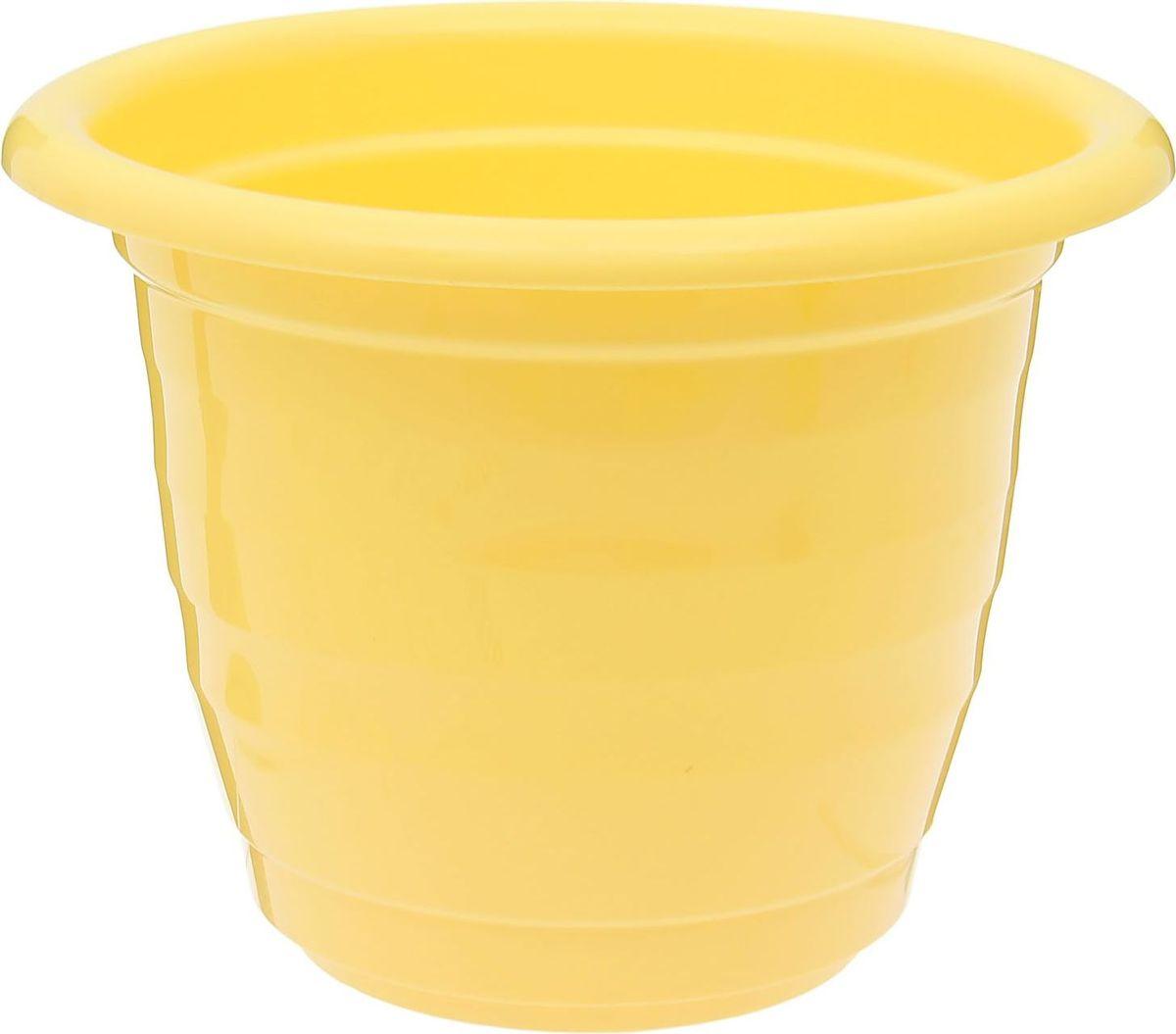 Горшок для цветов Доляна, цвет: желтый, 2 л1345276Горшок для цветов Доляна выполнен из пластика. Пластик дольше хранит влагу, а значит, растение реже нуждается в поливе, и не пропускает воздух, поэтому корневой системе растения не грозят резкие перепады температур.Пластиковые горшки имеют малый вес, поэтому их с легкостью можно переносить с места на место, ставить на столики или полки, не беспокоясь о нагрузке. Такие кашпо не царапают и не загрязняют поверхности, на которых стоят. Изделие не нуждается в специальных условиях хранения. Его легко чистить - достаточно просто сполоснуть теплой водой. Любой, даже самый современный и продуманный интерьер будет незавершенным без растений. Они не только очищают воздух и насыщают его кислородом, но и украшают окружающее пространство. Диаметр горшка: 19 см. Высота горшка: 15 см.