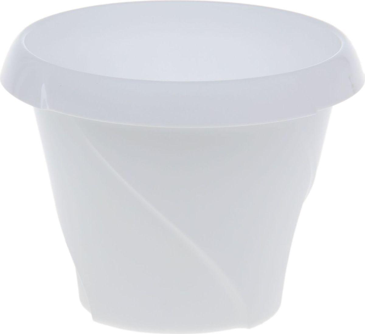 Кашпо Martika Флориана, цвет: белый, 0,7 л1355433Любой, даже самый современный и продуманный интерьер будет не завершённым без растений. Они не только очищают воздух и насыщают его кислородом, но и заметно украшают окружающее пространство. Такому полезному &laquo члену семьи&raquoпросто необходимо красивое и функциональное кашпо, оригинальный горшок или необычная ваза! Мы предлагаем - Кашпо 700 мл Флориана, d=13,5 см, цвет белый!Оптимальный выбор материала &mdash &nbsp пластмасса! Почему мы так считаем? Малый вес. С лёгкостью переносите горшки и кашпо с места на место, ставьте их на столики или полки, подвешивайте под потолок, не беспокоясь о нагрузке. Простота ухода. Пластиковые изделия не нуждаются в специальных условиях хранения. Их&nbsp легко чистить &mdashдостаточно просто сполоснуть тёплой водой. Никаких царапин. Пластиковые кашпо не царапают и не загрязняют поверхности, на которых стоят. Пластик дольше хранит влагу, а значит &mdashрастение реже нуждается в поливе. Пластмасса не пропускает воздух &mdashкорневой системе растения не грозят резкие перепады температур. Огромный выбор форм, декора и расцветок &mdashвы без труда подберёте что-то, что идеально впишется в уже существующий интерьер.Соблюдая нехитрые правила ухода, вы можете заметно продлить срок службы горшков, вазонов и кашпо из пластика: всегда учитывайте размер кроны и корневой системы растения (при разрастании большое растение способно повредить маленький горшок)берегите изделие от воздействия прямых солнечных лучей, чтобы кашпо и горшки не выцветалидержите кашпо и горшки из пластика подальше от нагревающихся поверхностей.Создавайте прекрасные цветочные композиции, выращивайте рассаду или необычные растения, а низкие цены позволят вам не ограничивать себя в выборе.