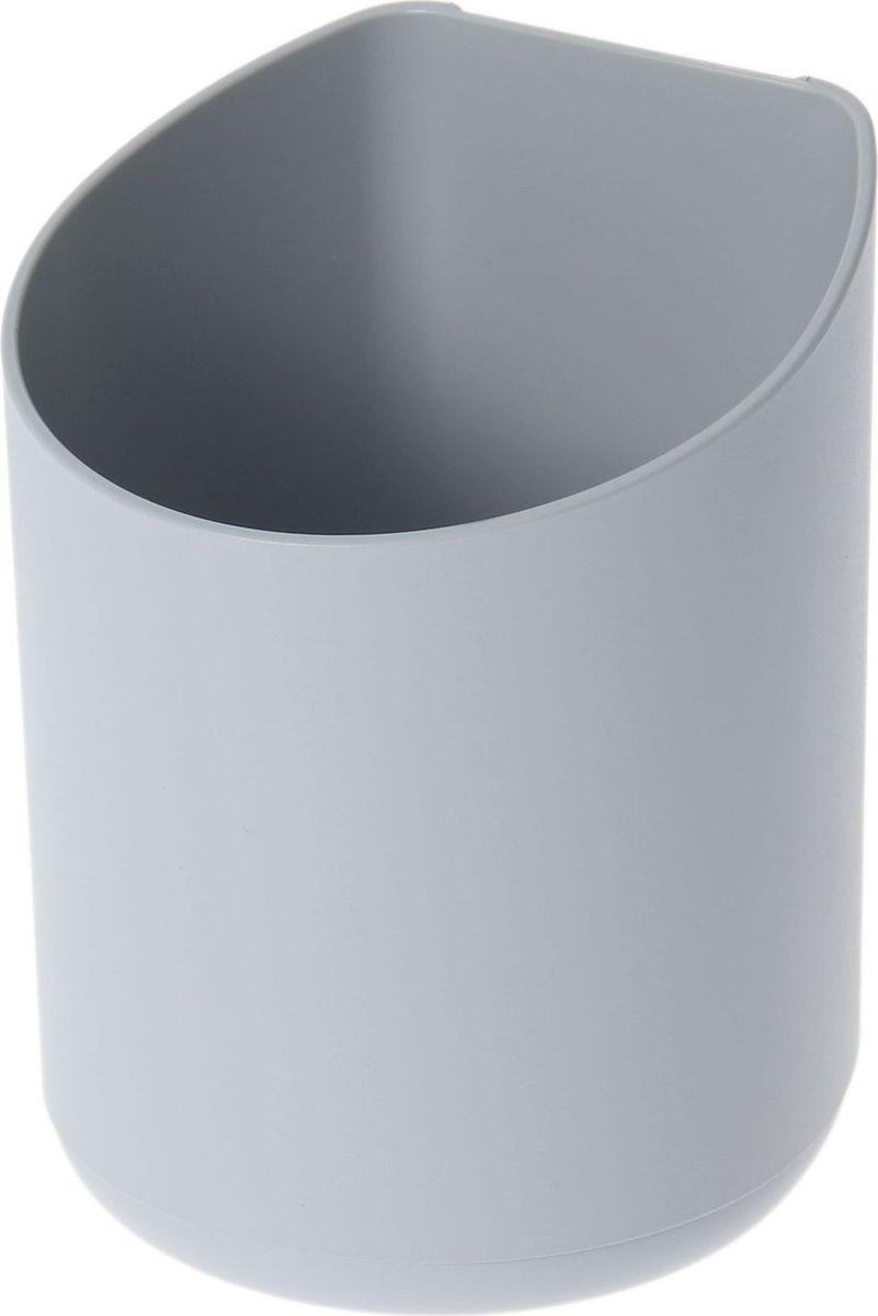 Кашпо WallGarden, для фитомодуля, цвет: серый, 8,9 х 8,9 х 9,5 см1495075Фитомодуль — новинка в области вертикального озеленения. Конструкция, как и сборка, предельно проста. Повесьте панель фитомодуля на стену, вставьте кашпо в специальные пазы и готово!Он экономит пространство, презентабельно выглядит и органично дополнит релакс-зону в офисе или дома. При желании вы легко измените композицию, перемещая кашпо или меняя цветы.Разместите в фитомодуле искусственные растения или создайте интерьерную композицию, используя, например, яркие карандаши, фломастеры, игрушки, на что хватит фантазии.Родители маленьких детей оценят, что конструкцию можно разместить высоко, и малыши не смогут «исследовать» её. Станьте флористом, сотворите уникальную композицию!