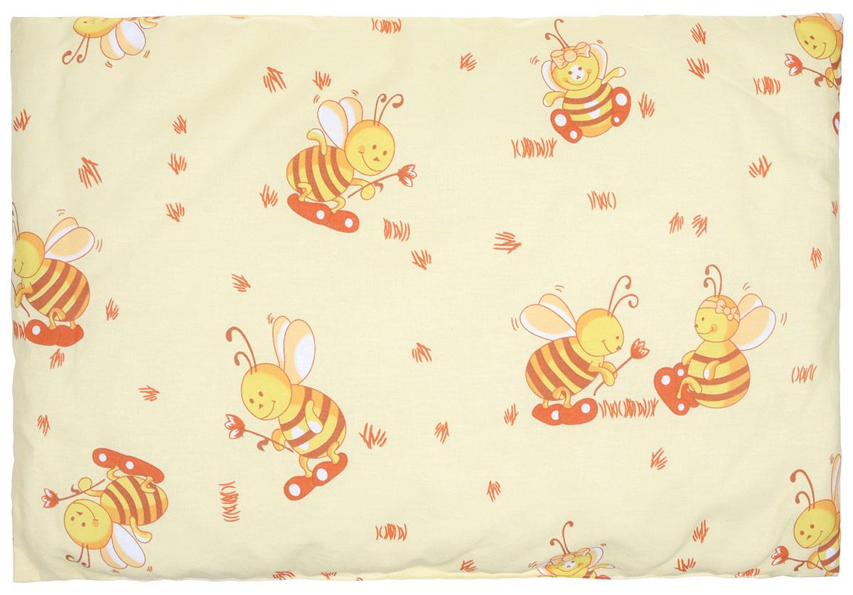 Сонный гномик Подушка детская Пчелки цвет желтый 60 х 40 см555С_желтыйДетская подушка Сонный гномик Пчелки изготовлена из бязи - 100% хлопка и создана для комфортного сна вашего малыша.Гипоаллергенные ткани - это залог спокойствия, здорового сна малыша и его безопасности. Наполнитель (синтепон 100% ПЭ) позволит коже ребенка дышать, создавая естественную вентиляцию. Мягкий и воздушный, он будет правильно поддерживать головку ребенка во время сна. Ткань наволочки - нежная и одновременно износостойкая - прослужит вам долгие годы.Уход: не гладить, только ручная стирка, нельзя отбеливать, нельзя выжимать и сушить в стиральной машине, химчистка запрещена.