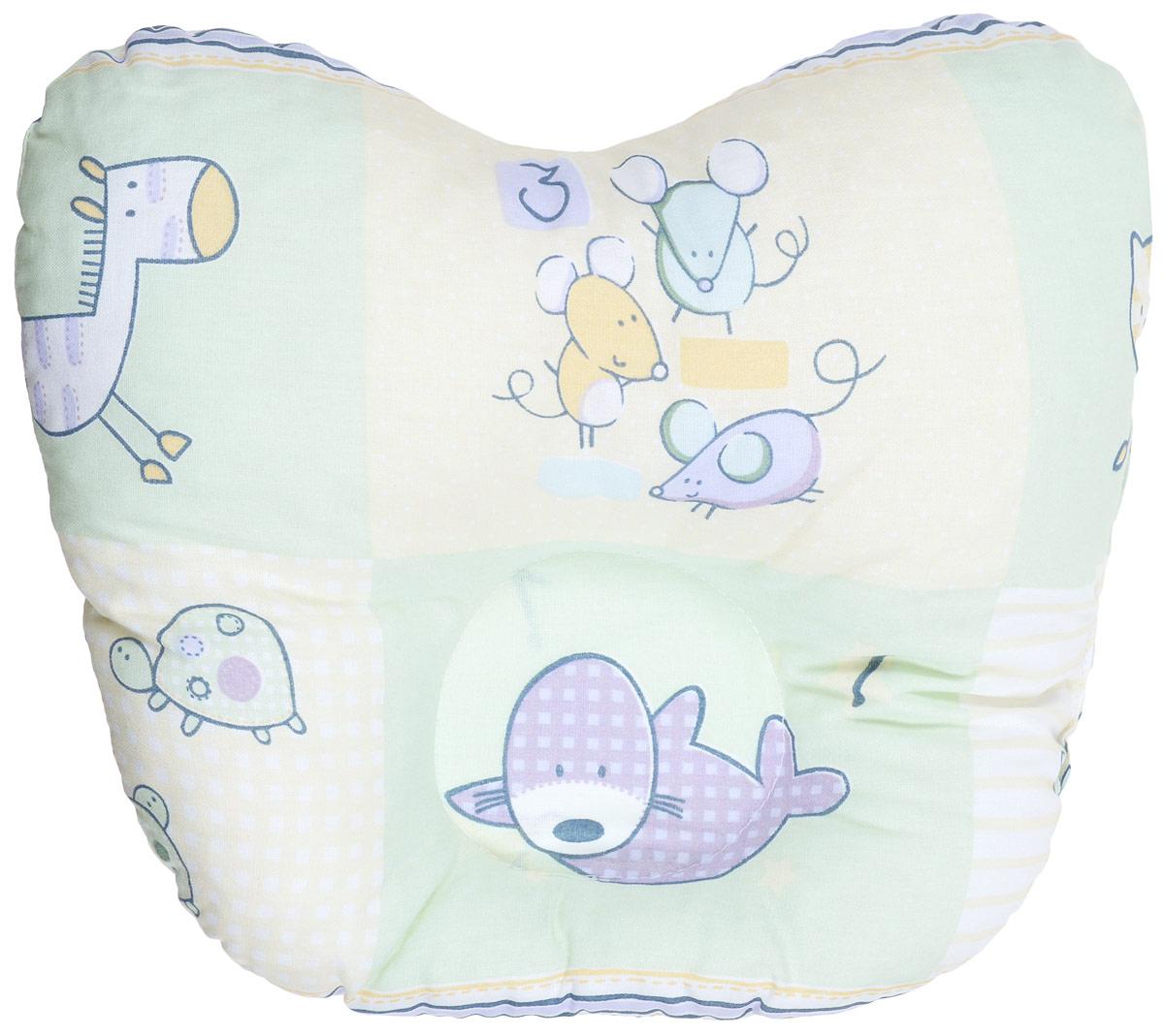 Сонный гномик Подушка анатомическая для младенцев Мыши, птицы, ежики 27 х 27 см555А_салатовый, бежевыйАнатомическая подушка для младенцев Сонный гномик Мыши, птицы, ежики изготовлена из бязи - 100% хлопка. Наполнитель - синтепон в гранулах (100% полиэстер).Подушка компактна и удобна для пеленания малыша и кормления на руках, она также незаменима для сна ребенка в кроватке и комфортна для использования в коляске на прогулке. Углубление в подушке фиксирует правильное положение головы ребенка.Подушка помогает правильному формированию шейного отдела позвоночника.