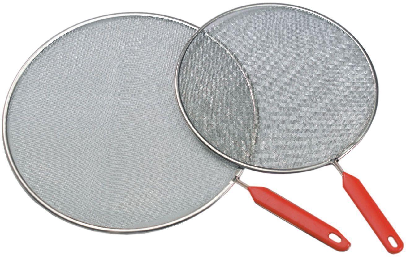 Набор сеток для сковороды SSW, 24/29 см. 300030300030Набор сеток защиты от брызг SSW состоит из двух изделий диаметрами 24 см и 29 см. Они выполнены из высококачественной нержавеющей стали, представляют собой прочную стальную сетку на металлическом ободке. Сетки станут надежной защитой от брызг во время приготовления пищи, в то же время они полностью воздухопроницаемы. Сетки оснащены удобными пластиковыми ручками.