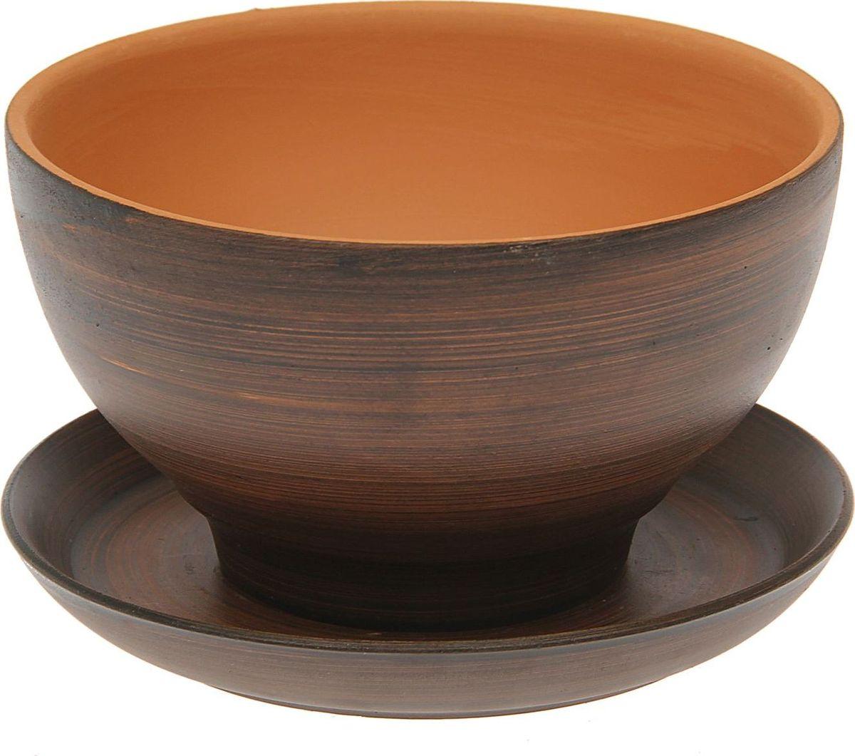 Кашпо Керамика ручной работы Фиалка, цвет: красная глина, 0,6 л1454662Комнатные растения — всеобщие любимцы. Они радуют глаз, насыщают помещение кислородом и украшают пространство. Каждому из них необходим свой удобный и красивый дом. Кашпо из керамики прекрасно подходят для высадки растений: за счёт пластичности глины и разных способов обработки существует великое множество форм и дизайновпористый материал позволяет испаряться лишней влагевоздух, необходимый для дыхания корней, проникает сквозь керамические стенки! #name# позаботится о зелёном питомце, освежит интерьер и подчеркнёт его стиль.
