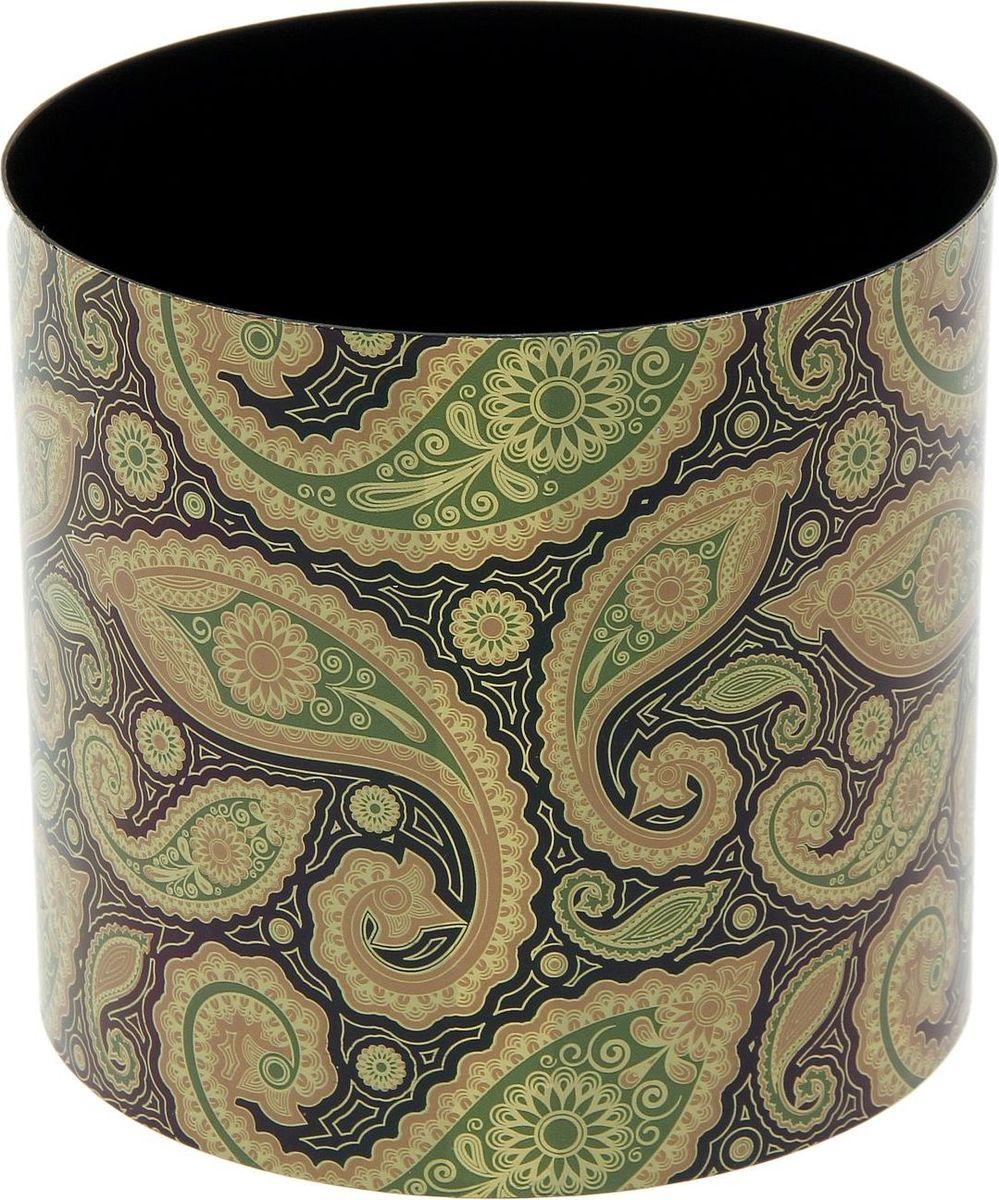 Горшок для цветов Simple Garden Огурцы, со скрытым поддоном, 2,8 л1915351Любой, даже самый современный и продуманный интерьер будет незавершённым без растений. Они не только очищают воздух и насыщают его кислородом, но и украшают окружающее пространство. Такому полезному члену семьи просто необходим красивый и функциональный дом! Мы предлагаем #name#! Оптимальный выбор материала — пластмасса! Почему мы так считаем?Малый вес. С лёгкостью переносите горшки и кашпо с места на место, ставьте их на столики или полки, не беспокоясь о нагрузке. Простота ухода. Кашпо не нуждается в специальных условиях хранения. Его легко чистить — достаточно просто сполоснуть тёплой водой. Никаких потёртостей. Такие кашпо не царапают и не загрязняют поверхности, на которых стоят. Пластик дольше хранит влагу, а значит, растение реже нуждается в поливе. Пластмасса не пропускает воздух — корневой системе растения не грозят резкие перепады температур. Огромный выбор форм, декора и расцветок — вы без труда найдёте что-то, что идеально впишется в уже существующий интерьер. Соблюдая нехитрые правила ухода, вы можете заметно продлить срок службы горшков и кашпо из пластика:всегда учитывайте размер кроны и корневой системы (при разрастании большое растение способно повредить маленький горшок)берегите изделие от воздействия прямых солнечных лучей, чтобы горшки не выцветалидержите кашпо из пластика подальше от нагревающихся поверхностей. Создавайте прекрасные цветочные композиции, выращивайте рассаду или необычные растения.