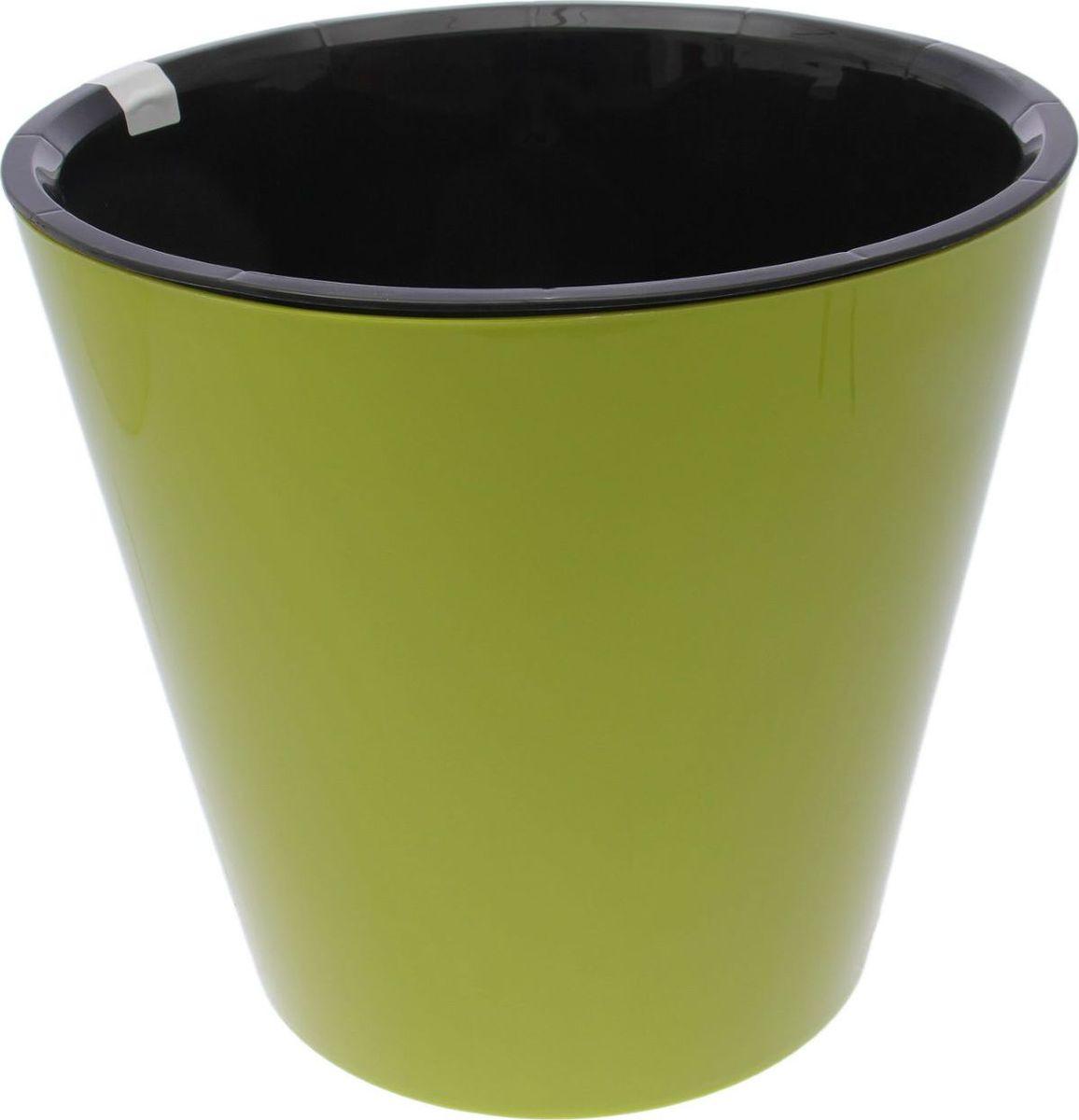 Горшок для цветов Фиджи, на колесиках, цвет: салатовый, 16 л2390611Любой, даже самый современный и продуманный интерьер будет незавершенным без растений. Они не только очищают воздух и насыщают его кислородом, но и украшают окружающее пространство. Такому полезному члену семьи просто необходим красивый и функциональный дом! Оптимальный выбор материала — пластмасса! Почему мы так считаем? Малый вес. С легкостью переносите горшки и кашпо с места на место, ставьте их на столики или полки, не беспокоясь о нагрузке. Простота ухода. Кашпо не нуждается в специальных условиях хранения. Его легко чистить — достаточно просто сполоснуть теплой водой. Никаких потертостей. Такие кашпо не царапают и не загрязняют поверхности, на которых стоят. Пластик дольше хранит влагу, а значит, растение реже нуждается в поливе. Пластмасса не пропускает воздух — корневой системе растения не грозят резкие перепады температур. Огромный выбор форм, декора и расцветок — вы без труда найдете что-то, что идеально впишется в уже существующий интерьер. Соблюдая нехитрые правила ухода, вы можете заметно продлить срок службы горшков и кашпо из пластика: всегда учитывайте размер кроны и корневой системы (при разрастании большое растение способно повредить маленький горшок) берегите изделие от воздействия прямых солнечных лучей, чтобы горшки не выцветали держите кашпо из пластика подальше от нагревающихся поверхностей. Создавайте прекрасные цветочные композиции, выращивайте рассаду или необычные растения.