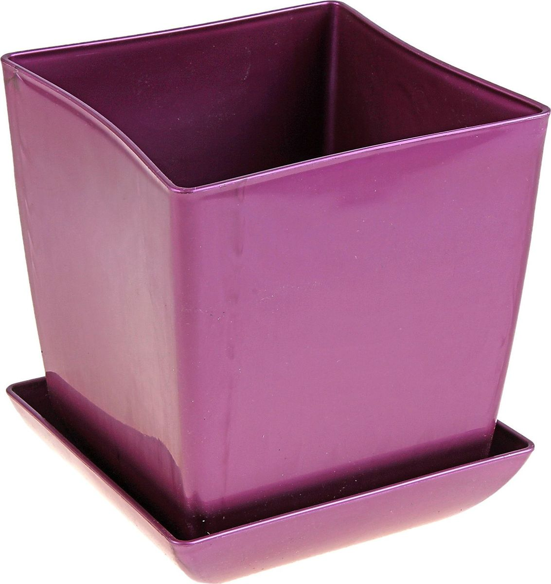Горшок для цветов Мегапласт Квадрат, с поддоном, цвет: фиолетовый, 3,5 л624955Любой, даже самый современный и продуманный интерьер будет не завершенным без растений. Они не только очищают воздух и насыщают его кислородом, но и заметно украшают окружающее пространство. Такому полезному члену семьи просто необходимо красивое и функциональное кашпо, оригинальный горшок или необычная ваза! Мы предлагаем - Горшок для цветов с поддоном 16х16 см Квадрат 3,5 л, цвет фиолетовый! Оптимальный выбор материала - это пластмасса! Почему мы так считаем? Малый вес. С легкостью переносите горшки и кашпо с места на место, ставьте их на столики или полки, подвешивайте под потолок, не беспокоясь о нагрузке. Простота ухода. Пластиковые изделия не нуждаются в специальных условиях хранения. Их легко чистить достаточно просто сполоснуть теплой водой. Никаких царапин. Пластиковые кашпо не царапают и не загрязняют поверхности, на которых стоят. Пластик дольше хранит влагу, а значит растение реже нуждается в поливе. Пластмасса не пропускает воздух корневой системе растения не грозят резкие перепады температур. Огромный выбор форм, декора и расцветок вы без труда подберете что-то, что идеально впишется в уже существующий интерьер. Соблюдая нехитрые правила ухода, вы можете заметно продлить срок службы горшков, вазонов и кашпо из пластика: всегда учитывайте размер кроны и корневой системы растения (при разрастании большое растение способно повредить маленький горшок) берегите изделие от воздействия прямых солнечных лучей, чтобы кашпо и горшки не выцветали держите кашпо и горшки из пластика подальше от нагревающихся поверхностей. Создавайте прекрасные цветочные композиции, выращивайте рассаду или необычные растения, а низкие цены позволят вам не ограничивать себя в выборе.