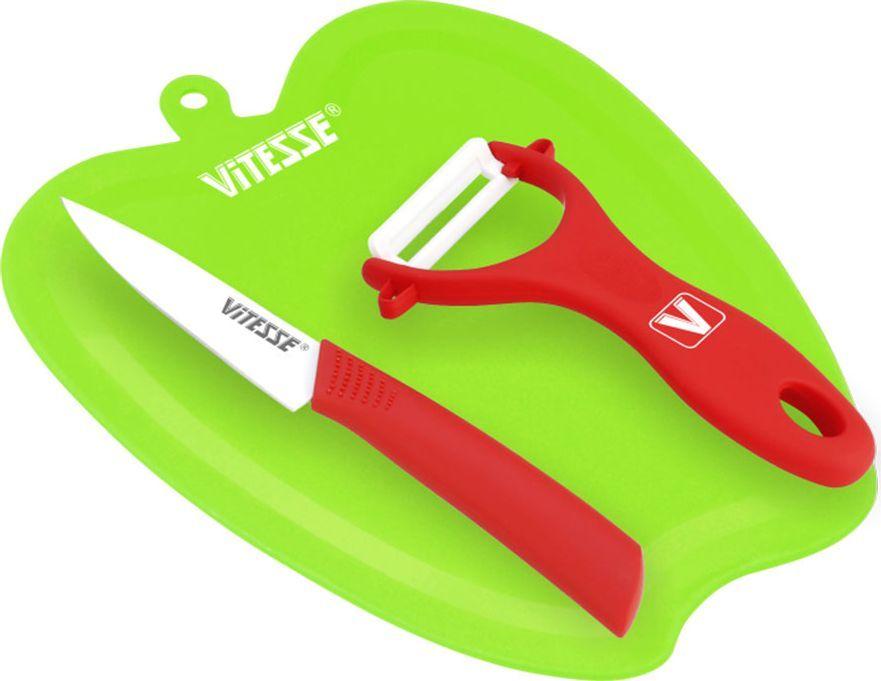 Набор кухонный Vitesse, цвет: зеленый, красный, 3 предметаVS-2719_зеленый, красныйКухонный набор Vitesse состоит из овощечистки, ножа и разделочной доски. Лезвие овощечистки изготовлено из керамики. Удобная ручка, выполненная из прорезиненного покрытия, не позволит выскользнуть овощечистке из вашей руки. Благодаря небольшой петле можно повесить изделие на кухне. Лезвие ножа выполнено из высококачественной стали с покрытием Non-Stick. Так же ручка покрыта прорезиненым покрытием. Разделочная доска, изготовленная из прочного пластика, выполнена в виде яблока.Оригинальный дизайн кухонного набора Vitesse и качество исполнения не оставят равнодушными ни тех, кто любит готовить, ни опытных профессионалов-поваров.Длина овощечистки: 13 см.Общая длина ножа: 19 см.Длина лезвия ножа: 9 см.Размер доски: 22 х 18 х 0,4 см.