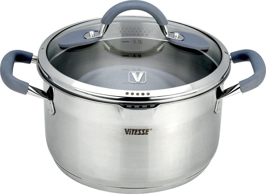 Кастрюля Vitesse UniQ с крышкой, 6,1л. VS-2118VS-2118Кастрюля Vitesse UniQ, изготовленный из высококачественной нержавеющей стали 18/10 с зеркальной полировкой верхней части и матовой полировкой нижней части. Она прекрасно подойдет для вашей кухни. Особенности кастрюли Vitesse UniQ: Кастрюля имеет многослойное термоаккумулирующее дно с прослойкой из алюминия, что обеспечивает равномерное распределение тепла.На внутренней стороне кастрюли имеется шкала литража, что обеспечивает дополнительное удобство при приготовлении пищи.Литые ручки из нержавеющей стали с силиконовым покрытием обеспечивают удобство при эксплуатации.Прозрачная крышка из термостойкого стекла с ободком из силикона. Позволяет беззвучно закрывать крышку и следить за процессом приготовления. Крышка имеет 4 варианта положения: - полный слив; - слив через мелкий фильтр; - слив через крупный фильтр; - закрыто. На кромке кастрюли имеется носик для слива воды.Кастрюля подходит для газовых, электрических, стеклокерамических и индукционных плит и пригоден для мытья в посудомоечной машине. Характеристики: Материал:нержавеющая сталь, алюминий, стекло, силикон. Объем:6,1 л. Внешний диаметр:25,5 см. Внутренний диаметр:24 см. Высота стенки:14 см. Ширина кастрюли, с учетом ручек:35 см. Размер коробки:33 см х 26 см х 18,5 см. Изготовитель:Китай. Артикул:VS-2118. Кухонная посуда марки Vitesseиз нержавеющей стали 18/10 предоставит вам все необходимое для получения удовольствия от приготовления пищи и принесет радость от его результатов. Посуда Vitesse обладает выдающимися функциональными свойствами. Легкие в уходе кастрюли и сковородки имеют плотно закрывающиеся крышки, которые дают возможность готовить с малым количеством воды и экономией энергии, и идеально подходят для всех видов плит: газовых, электрических, стеклокерамических и индукционных. Конструкция дна посуды гарантирует быстрое поглощение тепла, его равномерное распределение и сохранение. Великолепно отполированная поверхность, а также многочисленные констру