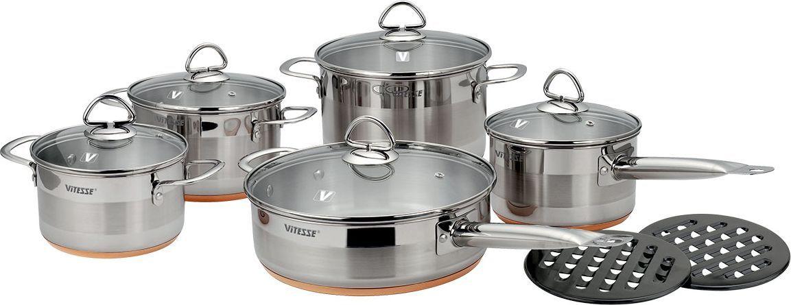 Набор посуды Vitesse Ophelie, 12 предметов. VS-1020VS-1020Набор посуды Ophelie, изготовленный из нержавеющей стали, состоит из трех кастрюль с крышками, сотейника с крышкой, сковороды с крышкой и двух бакелитовых подставок. Медное многослойное термоаккумулирующее дно обеспечивает наилучшее распределение тепла. Прозрачные крышки, выполненные из термостойкого стекла с отверстием для выпуска пара позволяют следить за процессом приготовления, а литые ручки, крепящиеся к корпусу посуды заклепками, обеспечивают удобство при эксплуатации.Прочные бакелитовые подставки на низких ножках позволят разместить кастрюлю или сотейник в удобном для вас месте.Набор подходит для газовых, электрических, стеклокерамических плит и пригоден для мытья в посудомоечной машине. Характеристики: Материал:нержавеющая сталь 18/10, бакелит. Диаметр кастрюли, объемом 3,9 л: 20 см. Высота стенки кастрюли, объемом 3,9 л: 13 см. Диаметр кастрюли, объемом 2,65 л: 18 см. Высота стенки кастрюли, объемом 2,65 л: 11 см. Диаметр кастрюли, объемом 1,8 л: 16 см. Высота стенки кастрюли, объемом 1,8 л: 9,5 см. Диаметр сотейника, объемом 1,8 л: 16 см. Высота сотейника, объемом 1,8 л: 9,5 см. Длина ручки сотейника: 17,5 см. Диаметр сковороды, объемом 3,1 л: 24 см. Высота сковороды, объемом 3,1 л: 7,5 см. Длина ручки сковороды: 19,5 см. Диаметр подставки: 17 см. Размер упаковки: 56 см x 29 см x 25 см. Изготовитель: Китай. Артикул: VS-1020.УВАЖАЕМЫЕ КЛИЕНТЫ!Обращаем ваше внимание на тот факт, что объем кастрюли (сотейника, сковороды) указан максимальный, с учетом полного наполнения до кромки, шкала на внутренней стенке имеет меньший литраж.