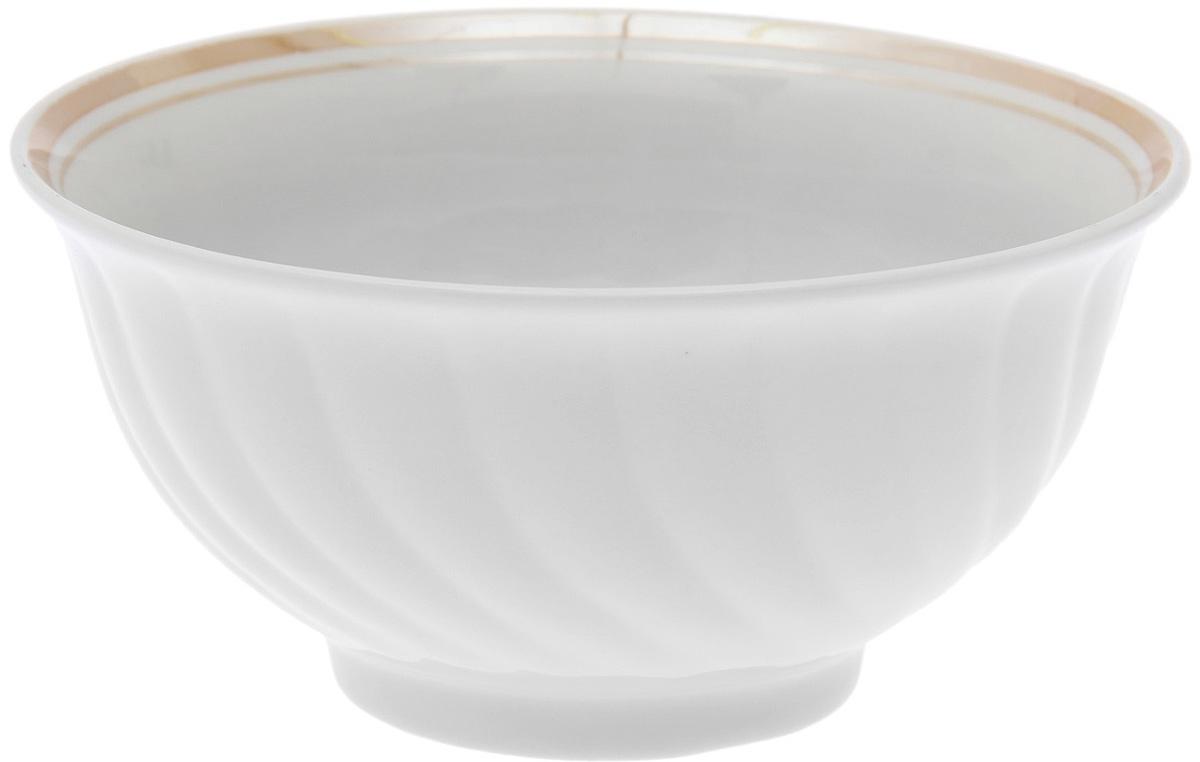 """Салатник """"Дулевский Фарфор"""" выполнен из высококачественного фарфора, покрытого глазурью. Такой салатник отлично подойдет для подачи салатов, закусок, нарезок. Он красиво дополнит сервировку стола и станет полезным приобретением для кухни."""