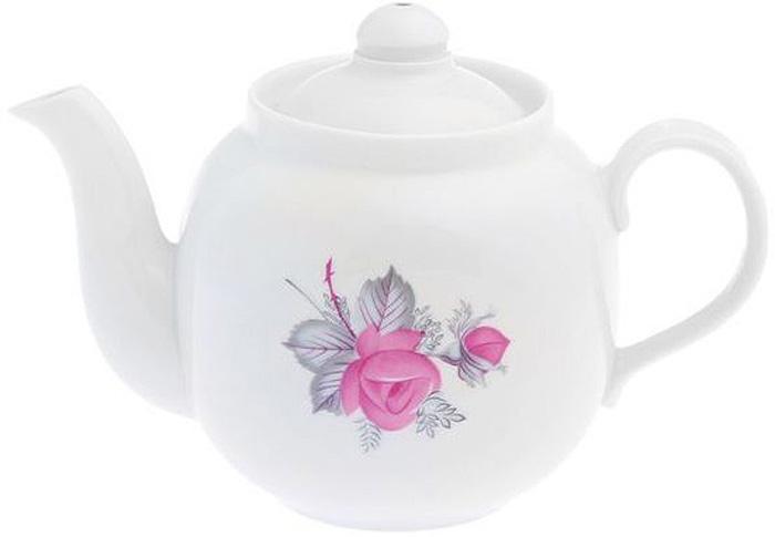 """Фарфоровая посуда считается классикой, ведь никакое время для нее не властно. Впервые появившись в Китае, фарфор присутствовал в домах  богатых людей и являлся драгоценным подарком для любого европейца. Фарфор ценили на вес золота, и это неудивительно, ведь его качество и  необыкновенные свойства славились на весь мир. Так, например, чайники из фарфора - это настоящая находка для ценителей чайной ароматной церемонии. Благодаря своим свойствам, фарфор  способен удерживать тепло напитка продолжительное время. Заварочный чайник """"Янтарь. Дикая роза"""" имеет довольно простой рисунок на белоснежном фарфоре, который несомненно, привлечет Ваше  внимание. Фарфор производства """"Дулевский Фарфор"""" имеет высокую термическую и механическую стойкость, благородный внешний вид. Чайник заварочный Дулевский Фарфор """"Янтарь. Дикая роза"""" станет прекрасным украшением сервировочного стола. Чай из такого изделия  будет невероятно ароматным и вкусным."""