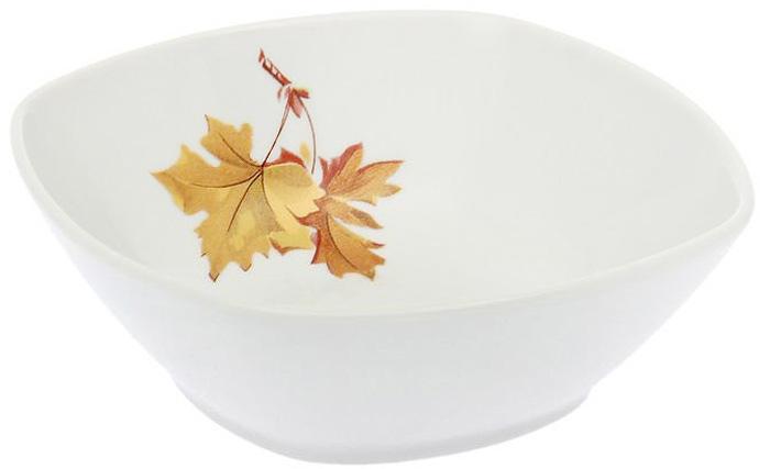 Салатник Дулевский Фарфор Клен, 300 мл067772Салатник Дулевский Фарфор выполнен из высококачественного фарфора, покрытого глазурью. Такой салатник отлично подойдет для подачи салатов, закусок, нарезок. Он красиво дополнит сервировку стола и станет полезным приобретением для кухни.