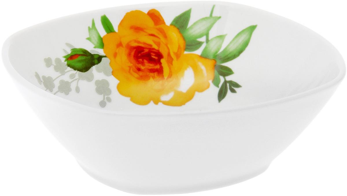 Салатник Дулевский Фарфор Роза, квадратный, 550 мл1428010Квадратный салатник Дулевский Фарфор выполнен из высококачественного фарфора, покрытого глазурью. Такой салатник отлично подойдет для подачи салатов, закусок, нарезок. Он красиво дополнит сервировку стола и станет полезным приобретением для кухни.