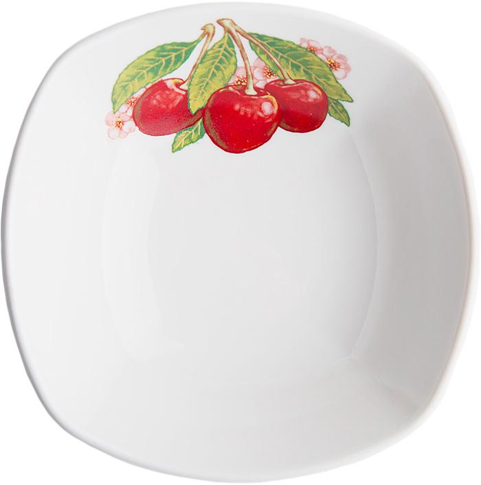 Салатник Дулевский Фарфор Вишня, квадратный, 300 мл069952Салатник Дулевский Фарфор выполнен из высококачественного фарфора, покрытого глазурью. Такой салатник отлично подойдет для подачи салатов, закусок, нарезок. Он красиво дополнит сервировку стола и станет полезным приобретением для кухни.
