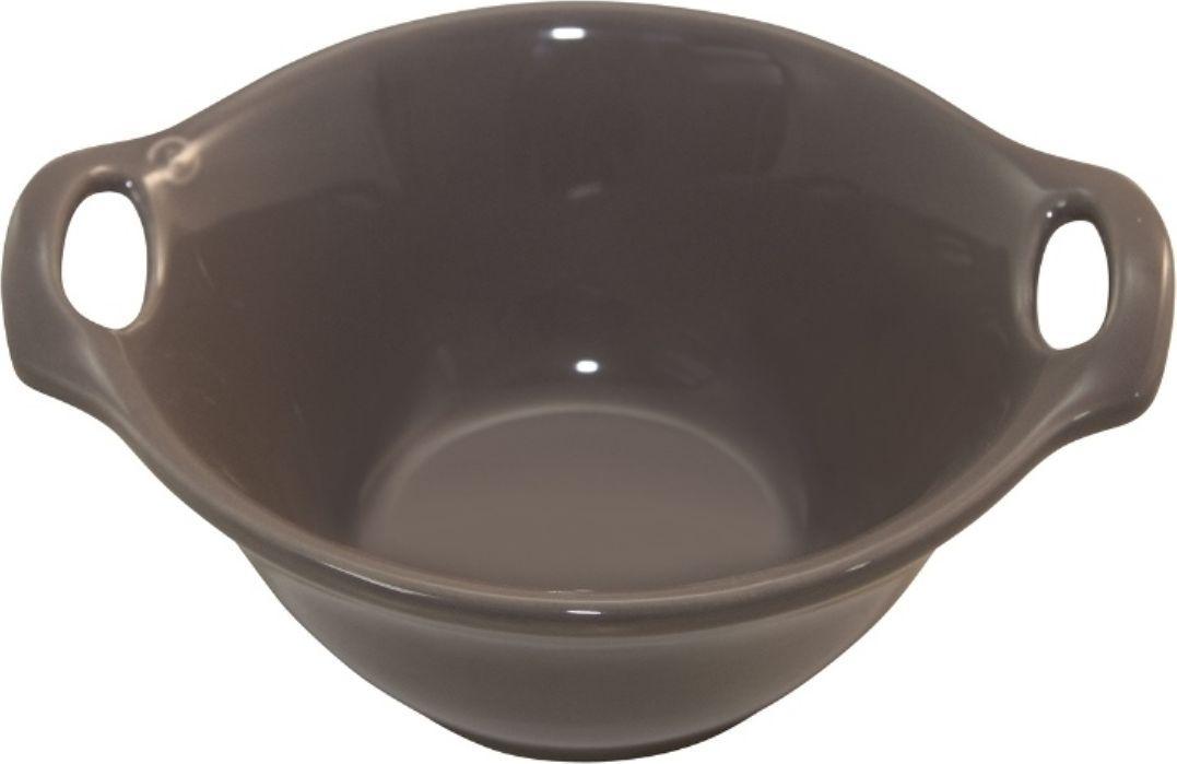 Салатник Appolia Harmonie, цвет: коричневый 540 мл223518548Салатник Appolia Harmonie изготовлен из керамики. В нем можно запекать разнообразные блюда, а так же использовать при сервировке, подавая готовый кулинарный шедевр сразу на обеденный стол. Закругленные углы облегчают чистку. Легко использовать. Большие удобные ручки. Прочная жароустойчивая керамика экологична и изготавливается из высококачественной глины. Прочная глазурь устойчива к растрескиванию и сколам, не содержит свинца и кадмия. Глина обеспечивает медленный и равномерный нагрев, деликатное приготовление с сохранением всех питательных веществ и витаминов, а та же долго сохраняет тепло, что удобно при сервировке горячих блюд. Объем салатника: 540 мл.