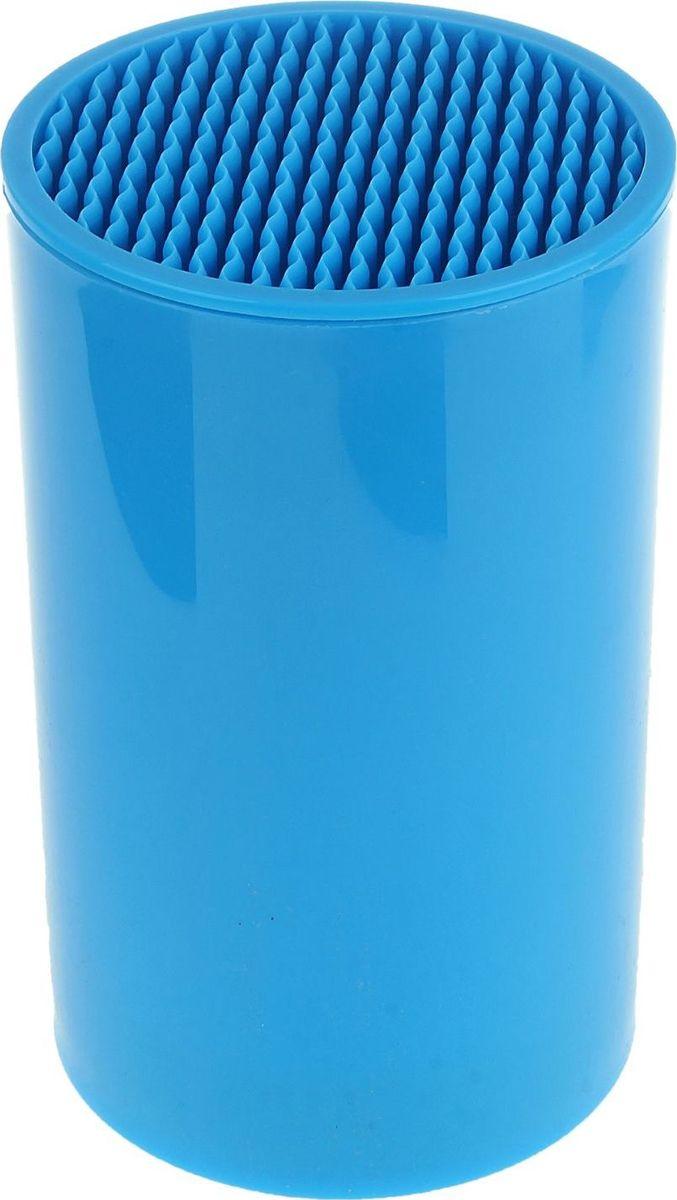 Подставка для ножей Доляна, цвет: голубой, 18 х 11 см1007461Подставка для ножей Доляна позволит правильно и скомфортом хранить ваши кухонные ножи. Изделие выполненоиз пластика. Внутри содержится наполнитель - аккуратныепластиковые деления. Подставка безопасна, гигиенична и невпитывает запахи.Подставка подойдет для хранения как керамических, так истальных лезвий. Больше не придется скидывать ножи вобщий посудный ящик, где они будут тупиться о другиестоловые приборы. Подставка идеальна для ножа любойформы и длины. Оптимальный размер подставки позволяетхранить одновременно до 6-ти ножей.Наполнитель не требует особого ухода или специальныхправил хранения. Споласкивайте его под теплой водой помере загрязнения, а затем оставляйте сушиться. Диаметр: 11 см.Высота: 18 см.