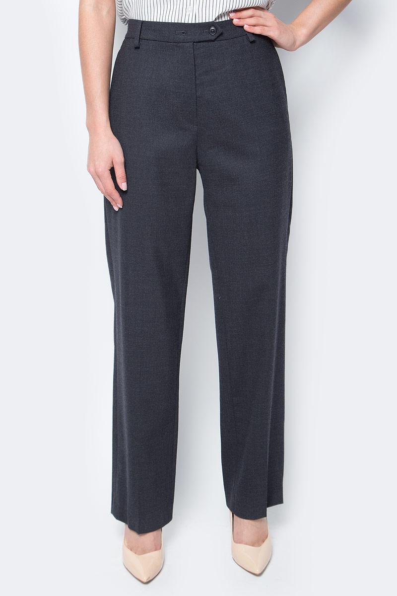 Брюки женские Marc OPolo, цвет: темно-серый. 26910141. Размер 40 (44)026910141/977Женские брюки Marc OPolo выполнены из шерсти с добавлением полиэстера и эластана. В качестве подкладки карманов используется натуральный хлопок. Модель слегка зауженного к низу кроя по поясу застегивается на две пуговицы и имеет ширинку на застежке-молнии. Пояс дополнен шлевками для ремня и небольшим разрезом расположенным сзади. Спереди расположено два втачных кармана с косыми срезами, а сзади - два прорезных кармана на пуговицах.