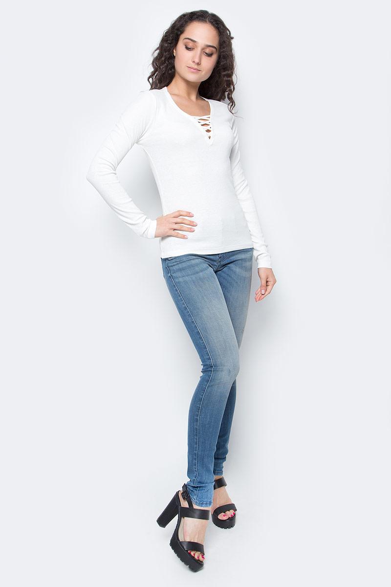 Лонгслив жен Only, цвет: белый. 15136438_Cloud Dancer. Размер XS (40/42)15136438_Cloud DancerЛонгслив женский Only подчеркнет ваш стиль и поможет создать оригинальный женственный образ. Модель имеет приталенный силуэт, длинные рукава и V-образный вырез горловины, декорированный шнуровкой.