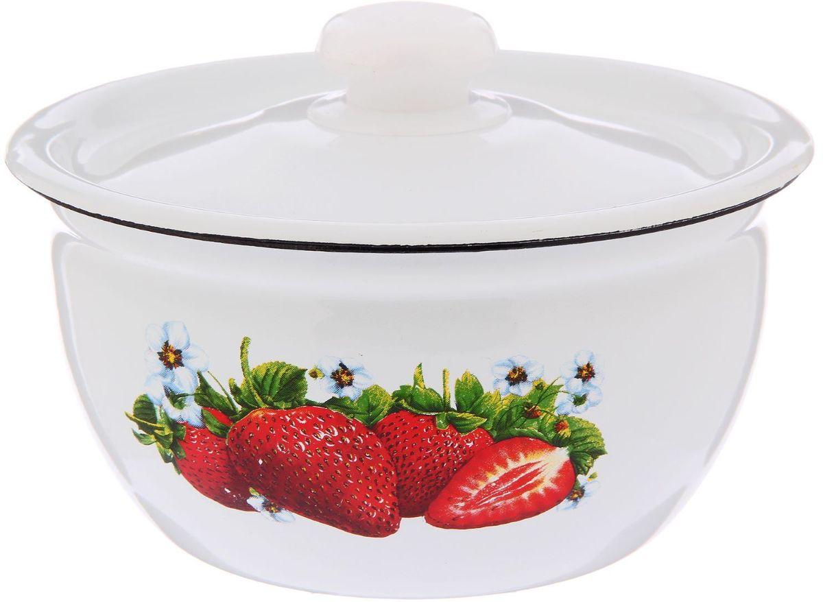 Салатник Epos Клубника, с крышкой, 1,5 л2293424Эмалированная посудая пригодится вам для быстрого приготовления разных типов блюд. Такая посуда подходит для домашнего и профессионального использования.Достоинства:посуда быстро и равномерно нагревается;корпус стоек к ржавчине;изделие легко отмывается в посудомоечной машине.Благодаря приятным цветам кастрюля удачно впишется в любой дизайн интерьера. Наилучшее качество покрытия достигается за счёт того, что посуда проходит обжиг при температуре до 800 градусов.Чтобы предмет сохранял наилучшие эксплуатационные свойства, соблюдайте правила ухода:избегайте ударов и падений;не пользуйтесь высокоабразивными чистящими средствами;не допускайте резких перепадов температуры.Посуда подходит для долговременного хранения пищи.