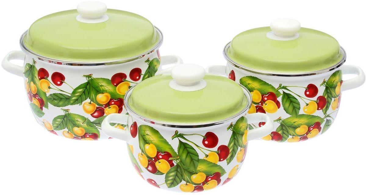 Набор кастрюль Epos Вкусняшка, с крышками, 6 предметов. 22934282293428Эмалированная посудая пригодится вам для быстрого приготовления разных типов блюд. Такая посуда подходит для домашнего и профессионального использования.Достоинства:посуда быстро и равномерно нагревается;корпус стоек к ржавчине;изделие легко отмывается в посудомоечной машине.Благодаря приятным цветам кастрюля удачно впишется в любой дизайн интерьера. Наилучшее качество покрытия достигается за счёт того, что посуда проходит обжиг при температуре до 800 градусов.Чтобы предмет сохранял наилучшие эксплуатационные свойства, соблюдайте правила ухода:избегайте ударов и падений;не пользуйтесь высокоабразивными чистящими средствами;не допускайте резких перепадов температуры.Посуда подходит для долговременного хранения пищи.
