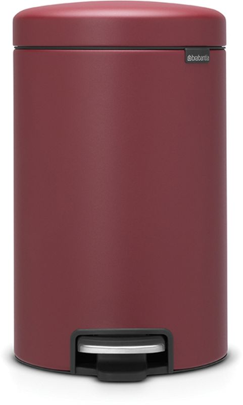 Бак мусорный Brabantia NewIcon, с педалью, цвет: бордо, с напылением, 12 л. 115820115820Коллекция Sense of Luxury. Превосходный дизайн - сверкающие минералы. Металлическая педаль подчеркивает индивидуальность стиля. Плавное закрывание и необыкновенно мягкий ход педали. Не пропускающая запах крышка. Надежный долговечный педальный механизм - комфортное использование в течение долгих лет. Противоскользящее основание - отличная устойчивость и защита пола. Легко перемещать - удобная ручка в блоке крепления крышки. Всегда опрятный вид - в комплекте идеально подходящие по размеру мешки для мусора PerfectFit (размер C). Сертификат соответствия концепции регенерации Cradle to Cradle.
