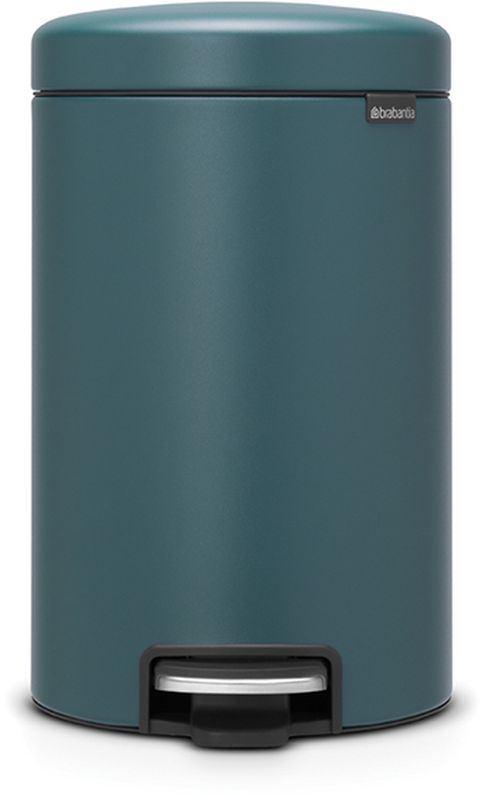 Бак мусорный Brabantia NewIcon, с педалью, цвет: синий, 12 л115844• Коллекция Sense of Luxury.• Плавное закрывание и необыкновенно мягкий ход педали.• Не пропускающая запах крышка.• Надежный долговечный педальный механизм – комфортное использование в течение долгих лет. • Противоскользящее основание – отличная устойчивость и защита пола. • Легко перемещать – удобная ручка в блоке крепления крышки.• Одна бесплатная упаковка мешков для мусора Brabantia PerfectFit (размер С) – удобная замена и всегда опрятный вид.• 10 лет гарантийного обслуживания.• Превосходный дизайн – сверкающие минералы. • Металлическая педаль подчеркивает индивидуальность стиля. • Сертификат Cradle to cradle.