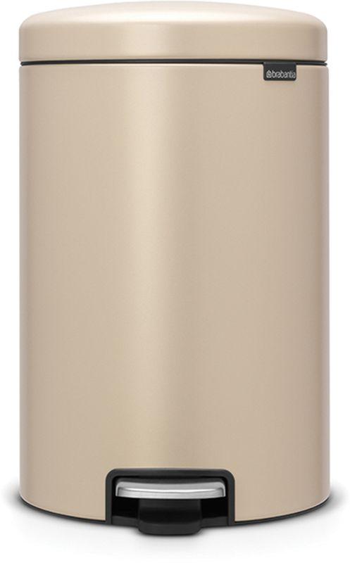 Бак мусорный Brabantia NewIcon, с педалью, цвет: золотой, с напылением, 20 л. 115882115882Превосходный дизайн - сверкающие минералы.Металлическая педаль подчеркивает индивидуальность стиля.Плавное закрывание и необыкновенно мягкий ход педали.Не пропускающая запах крышка.Надежный долговечный педальный механизм - комфортное использование втечение долгих лет.Противоскользящее основание - отличная устойчивость и защита пола.Легко перемещать - удобная ручка в блоке крепления крышки.Всегда опрятный вид - в комплекте идеально подходящие по размеру мешки длямусора PerfectFit (размер D).Сертификат соответствия концепции регенерации Cradle to Cradle.
