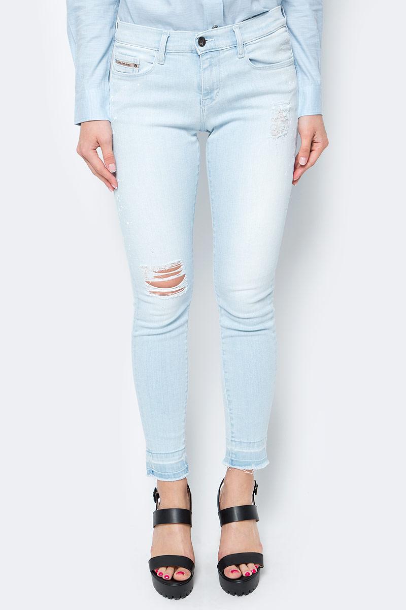 Джинсы женские Calvin Klein Jeans, цвет: светло-синий. J20J205145_9133. Размер 29 (44/46) джинсы женские dkny j3410010 jeans