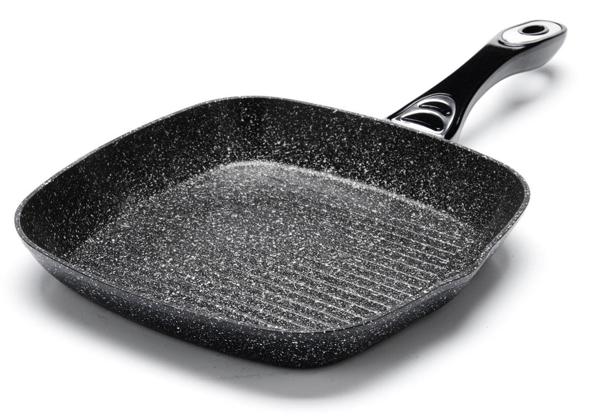 Сковорода-гриль Mayer&Boch. Диаметр 28 см. 2675326753Рифленая поверхность сковороды MAYER&BOCH имитирует решетки гриля и образует аппетитную корочку, при этом жир стекает в желобки, не давая продуктам контактировать с ним, что обеспечивает приготовление здоровой пищи. Сковорода-гриль также подходит для жарки мяса, рыбы, сыра, овощей и для приготовления и разогрева сэндвичей. Сохраняет все соки на рифленом дне. Равномерное распределение тепла. Носик на обеих сторонах гриля. Подходит для использования на всех типах плит.