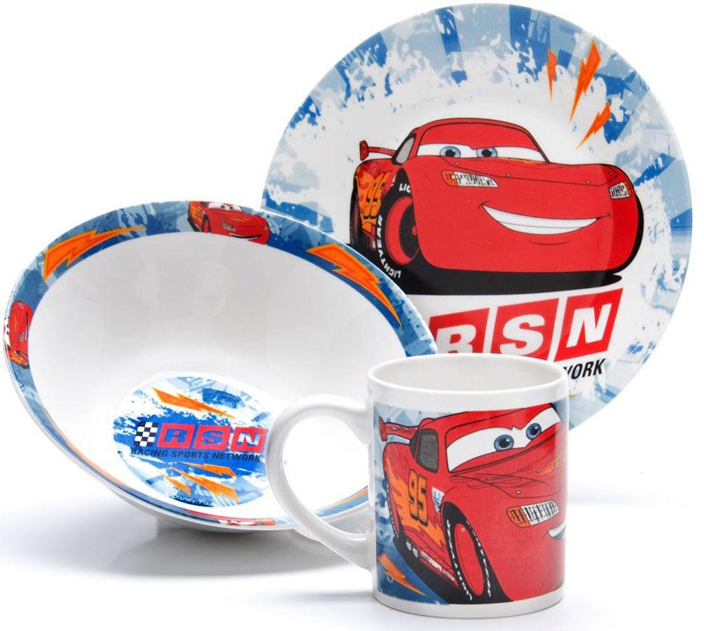 Набор для завтрака Disney Тачки, 3 предмета. 2699726997Набор детской посуды DISNEY, выполненный из высококачественной керамики и декорированы красочным рисунком. Такой набор обязательно понравится вашему ребенку, потому что теперь у него будет своя собственная посуда с изображением героев популярных мультиков. Набор посуды для детей включает в себя три предмета: суповую тарелку, обеденную тарелку и кружку. Набор упакован в красочную, подарочную упаковку. Подходит для мытья в посудомоечной машине.