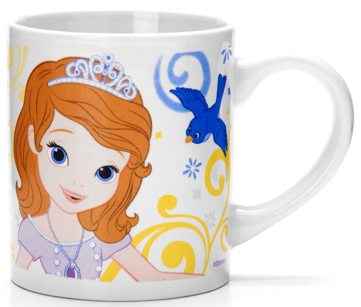 Кружка Disney София, 220 мл. 2700927009Кружка DISNEY, выполненный из высококачественной керамики и декорированы красочным рисунком. Такая кружка обязательно понравится вашему ребенку, потому что теперь у него будет своя собственная посуда с изображением героев популярных мультиков. Кружка DISNEY - идеальный подарок для вашего ребенка. Кружка упакована в красочную, подарочную упаковку. Подходит для мытья в посудомоечной машине.