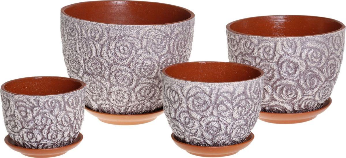 Набор кашпо Розы, цвет: чернослив, 4 предмета1039820Комнатные растения — всеобщие любимцы. Они радуют глаз, насыщают помещение кислородом и украшают пространство. Каждому из них необходим свой удобный и красивый дом. Кашпо из керамики прекрасно подходят для высадки растений: за счёт пластичности глины и разных способов обработки существует великое множество форм и дизайновпористый материал позволяет испаряться лишней влагевоздух, необходимый для дыхания корней, проникает сквозь керамические стенки! #name# позаботится о зелёном питомце, освежит интерьер и подчеркнёт его стиль.