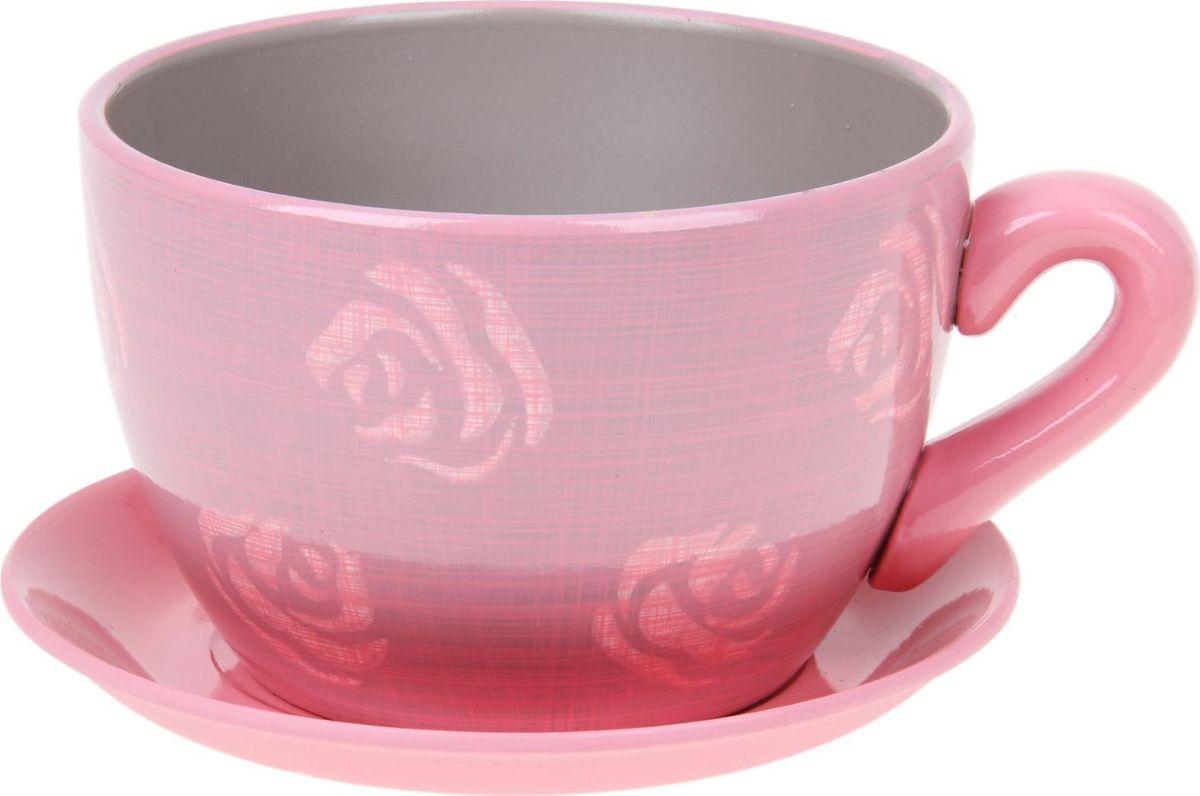 Кашпо Чайная роза, цвет: розовый, 0,8 л1056038Комнатные растения — всеобщие любимцы. Они радуют глаз, насыщают помещение кислородом и украшают пространство. Каждому из них необходим свой удобный и красивый дом. Кашпо из керамики прекрасно подходят для высадки растений: за счёт пластичности глины и разных способов обработки существует великое множество форм и дизайновпористый материал позволяет испаряться лишней влагевоздух, необходимый для дыхания корней, проникает сквозь керамические стенки! #name# позаботится о зелёном питомце, освежит интерьер и подчеркнёт его стиль.