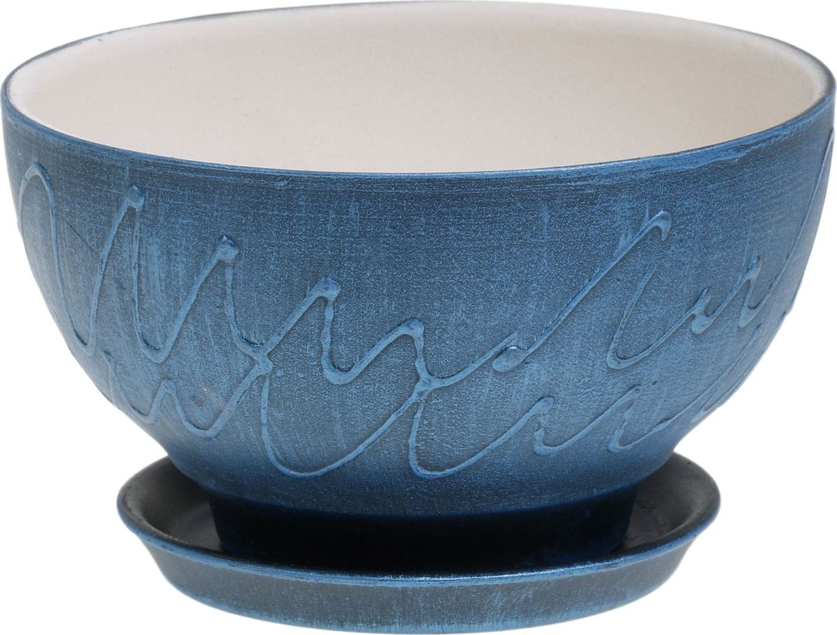 Кашпо Керамика ручной работы Фиалка. Патина, цвет: синий, 0,5 л1062716Комнатные растения — всеобщие любимцы. Они радуют глаз, насыщают помещение кислородом и украшают пространство. Каждому из них необходим свой удобный и красивый дом. Кашпо из керамики прекрасно подходят для высадки растений: за счёт пластичности глины и разных способов обработки существует великое множество форм и дизайновпористый материал позволяет испаряться лишней влагевоздух, необходимый для дыхания корней, проникает сквозь керамические стенки! #name# позаботится о зелёном питомце, освежит интерьер и подчеркнёт его стиль.