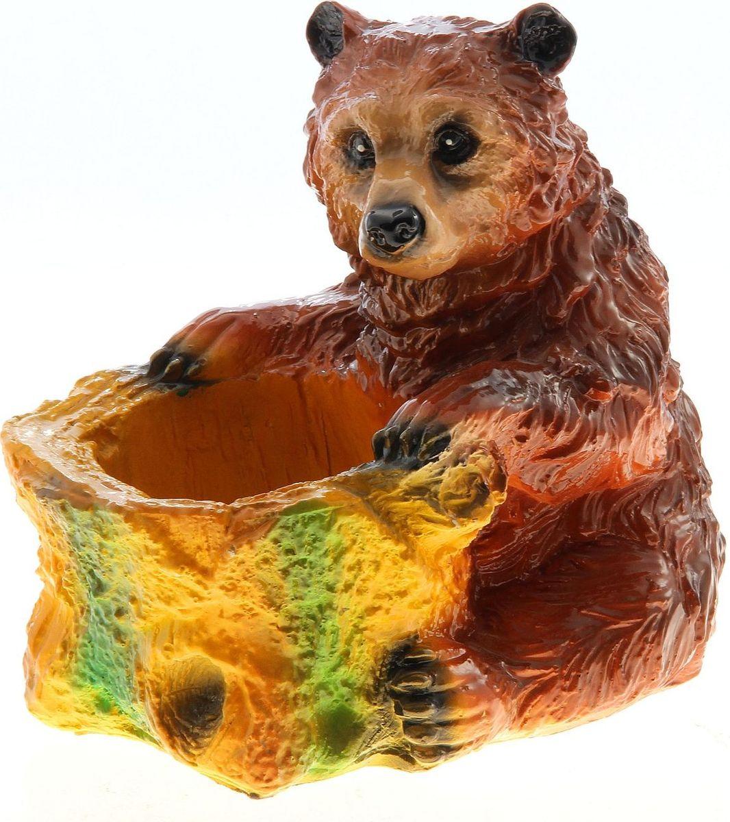 Кашпо Сидящий медведь, 23 х 23 х 16 см746164Комнатные растения — всеобщие любимцы. Они радуют глаз, насыщают помещение кислородом и украшают пространство. Каждому из растений необходим свой удобный и красивый дом. Поселите зелёного питомца в яркое и оригинальное фигурное кашпо. Выберите подходящую форму для детской, спальни, гостиной, балкона, офиса или террасы. #name# позаботится о растении, украсит окружающее пространство и подчеркнёт его оригинальный стиль.