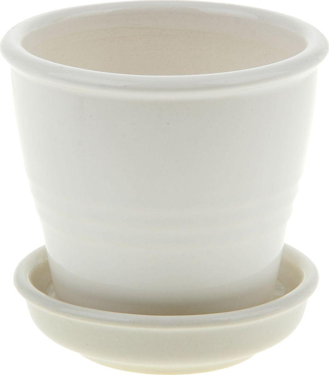 Кашпо Керамика ручной работы Ведро, цвет: белый, 230 мл835545Комнатные растения - всеобщие любимцы. Они радуют глаз, насыщают помещение кислородом и украшают пространство. Каждому из них необходим свой удобный и красивый дом.Кашпо из керамики прекрасно подходит для высадки растений: за счёт пластичности глины и разных способов обработки существует великое множество форм и дизайнов, пористый материал позволяет испаряться лишней влаге, воздух, необходимый для дыхания корней, проникает сквозь керамические стенки! Изделие освежит интерьер и подчеркнёт его стиль.