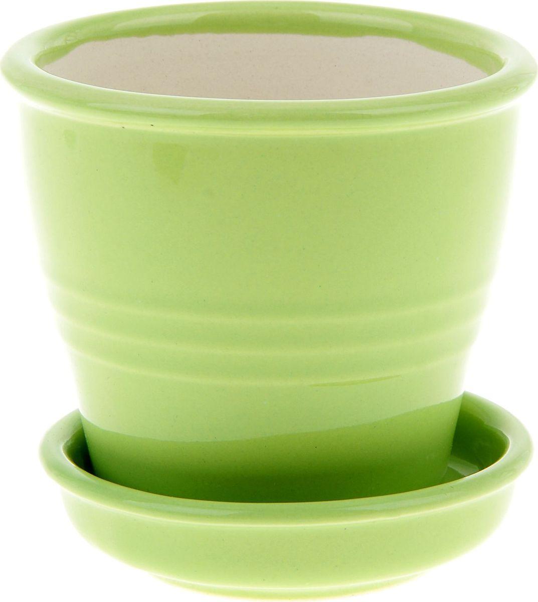 Кашпо Керамика ручной работы Классик, цвет: зеленый, 0,23 л835548Комнатные растения - всеобщие любимцы. Они радуют глаз, насыщают помещение кислородом и украшают пространство. Каждому из них необходим свой удобный и красивый дом. Кашпо из керамики прекрасно подходят для высадки растений: за счет пластичности глины и разных способов обработки существует великое множество форм и дизайнов. Пористый материал позволяет испаряться лишней влаге воздух, необходимый для дыхания корней.