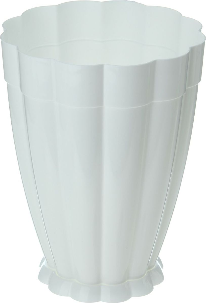 Горшок для цветов Альтернатива Фантастика, с поддоном, цвет: белый, 4,5 л868028Любой, даже самый современный и продуманный интерьер будет не завершённым без растений. Они не только очищают воздух и насыщают его кислородом, но и заметно украшают окружающее пространство. Такому полезному &laquo члену семьи&raquoпросто необходимо красивое и функциональное кашпо, оригинальный горшок или необычная ваза! Мы предлагаем - Горшок для цветов 4,5 л Фантастика, поддон, цвет белый!Оптимальный выбор материала &mdash &nbsp пластмасса! Почему мы так считаем? Малый вес. С лёгкостью переносите горшки и кашпо с места на место, ставьте их на столики или полки, подвешивайте под потолок, не беспокоясь о нагрузке. Простота ухода. Пластиковые изделия не нуждаются в специальных условиях хранения. Их&nbsp легко чистить &mdashдостаточно просто сполоснуть тёплой водой. Никаких царапин. Пластиковые кашпо не царапают и не загрязняют поверхности, на которых стоят. Пластик дольше хранит влагу, а значит &mdashрастение реже нуждается в поливе. Пластмасса не пропускает воздух &mdashкорневой системе растения не грозят резкие перепады температур. Огромный выбор форм, декора и расцветок &mdashвы без труда подберёте что-то, что идеально впишется в уже существующий интерьер.Соблюдая нехитрые правила ухода, вы можете заметно продлить срок службы горшков, вазонов и кашпо из пластика: всегда учитывайте размер кроны и корневой системы растения (при разрастании большое растение способно повредить маленький горшок)берегите изделие от воздействия прямых солнечных лучей, чтобы кашпо и горшки не выцветалидержите кашпо и горшки из пластика подальше от нагревающихся поверхностей.Создавайте прекрасные цветочные композиции, выращивайте рассаду или необычные растения, а низкие цены позволят вам не ограничивать себя в выборе.